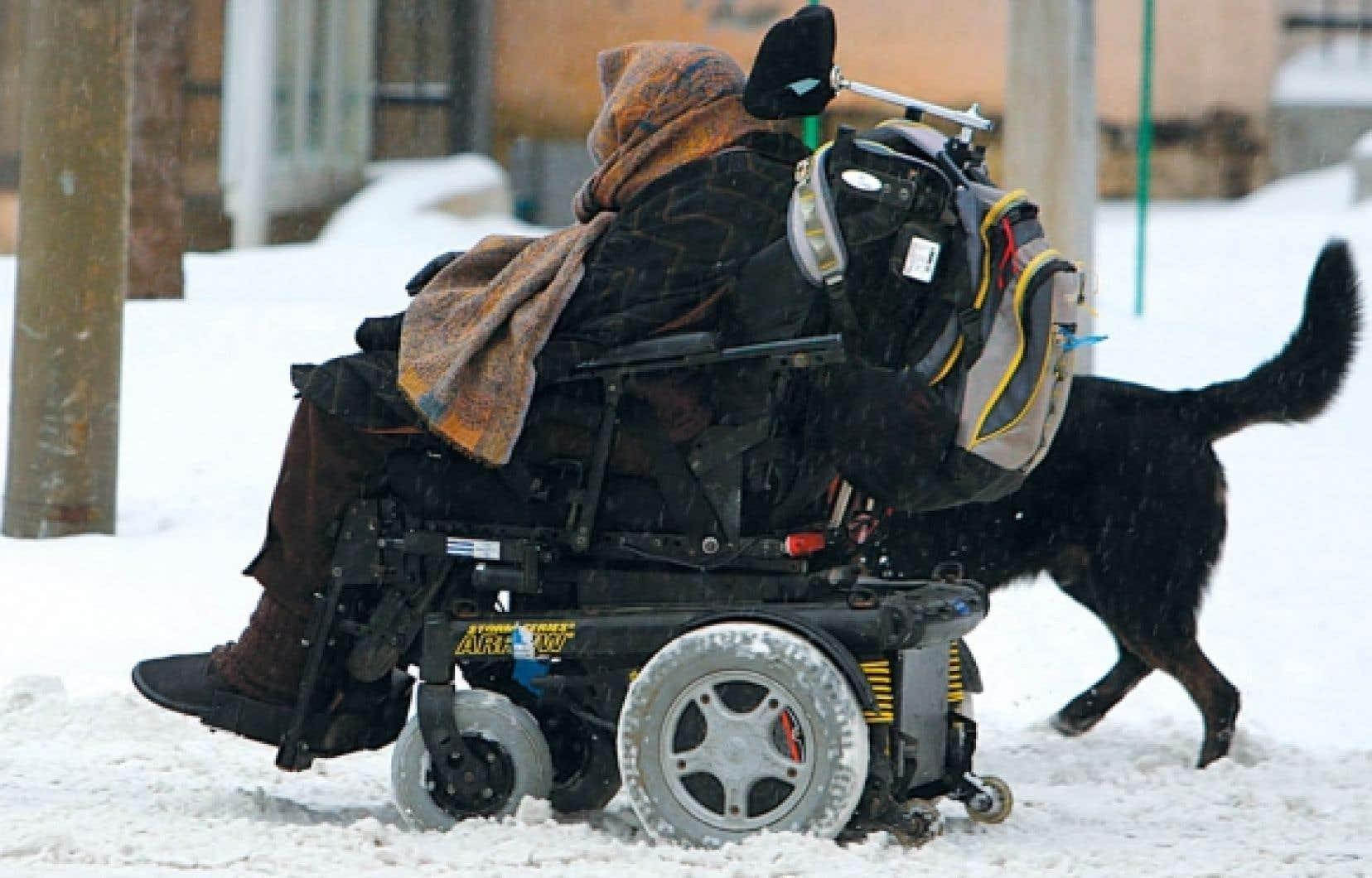 Le transport adapté nous handicape. Combien d'opportunités d'emploi nous ont glissé entre les doigts parce que nous ne pouvions nous déplacer facilement dans notre ville?