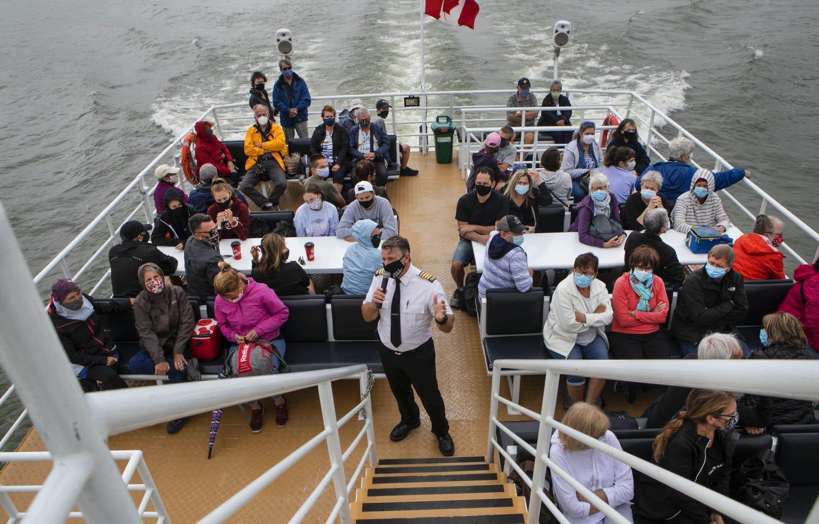 L'industrie des croisières apporte 4milliards de dollars par an à l'économie canadienne et représente environ 30000 emplois directs et indirects, selon le ministère.