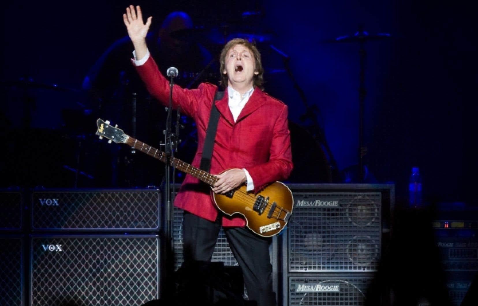 Paul McCartney mardi soir au Centre Bell où 16 993 fans s'étaient donnés rendez-vous.