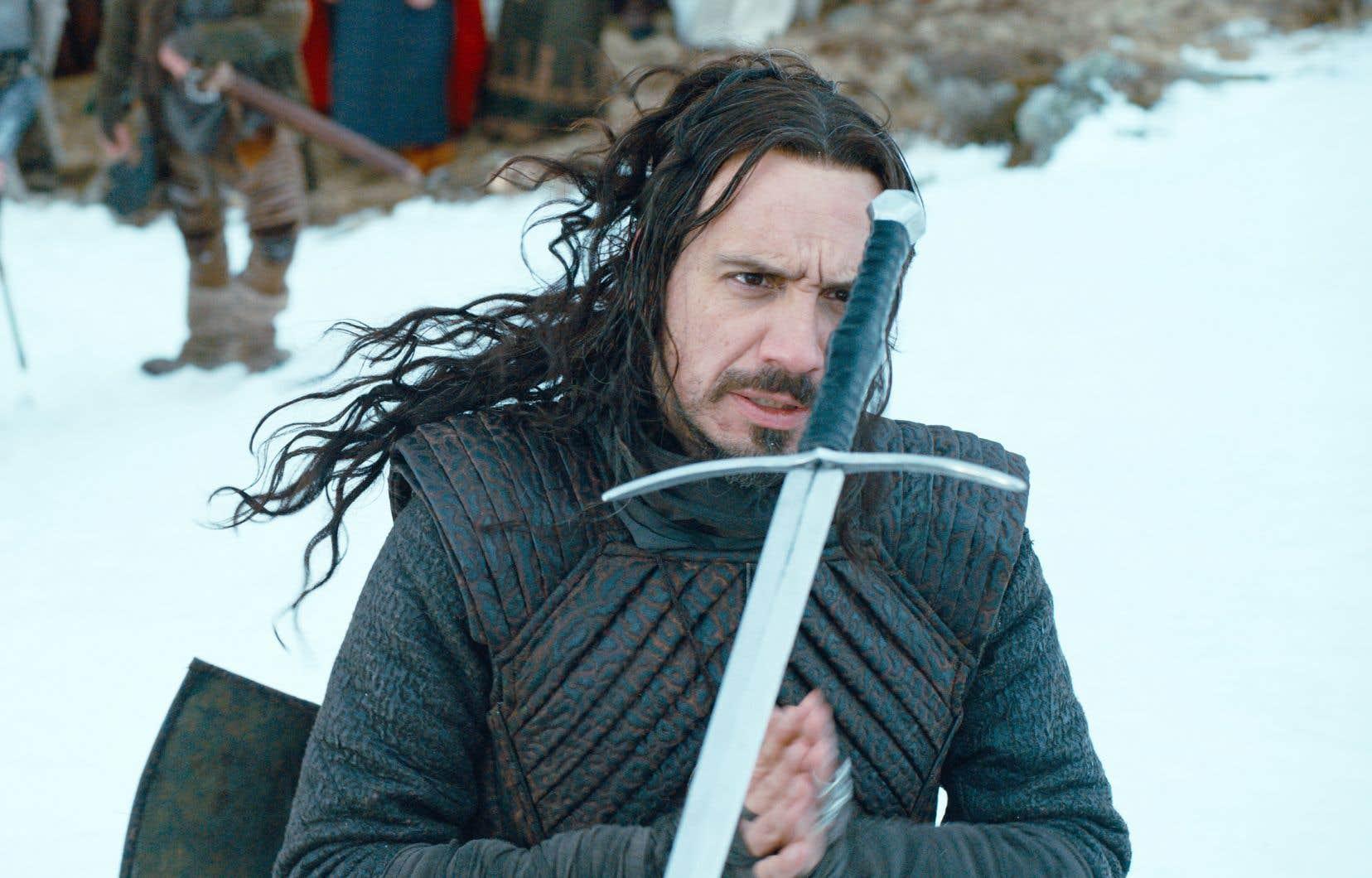 Alexandre Astier, créateur et réalisateur de Kaamelott, tient le rôle du roi Arthur dans le premier film de la trilogie.