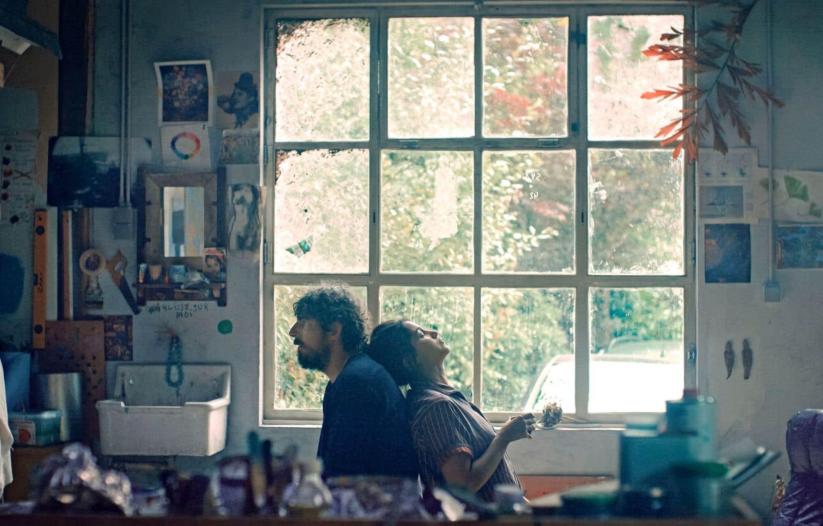 Dans «Les intranquilles», la maladie mentale et la détresse des hommes sont des thèmes au cœur du film, portés par le personnage de Julien, un peintre bipolaire qui traverse des tempêtes avec sa famille.