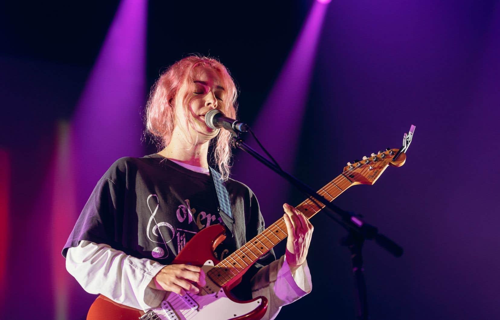 Emma Proulx, chanteuse, guitariste et compositrice de Men I Trust