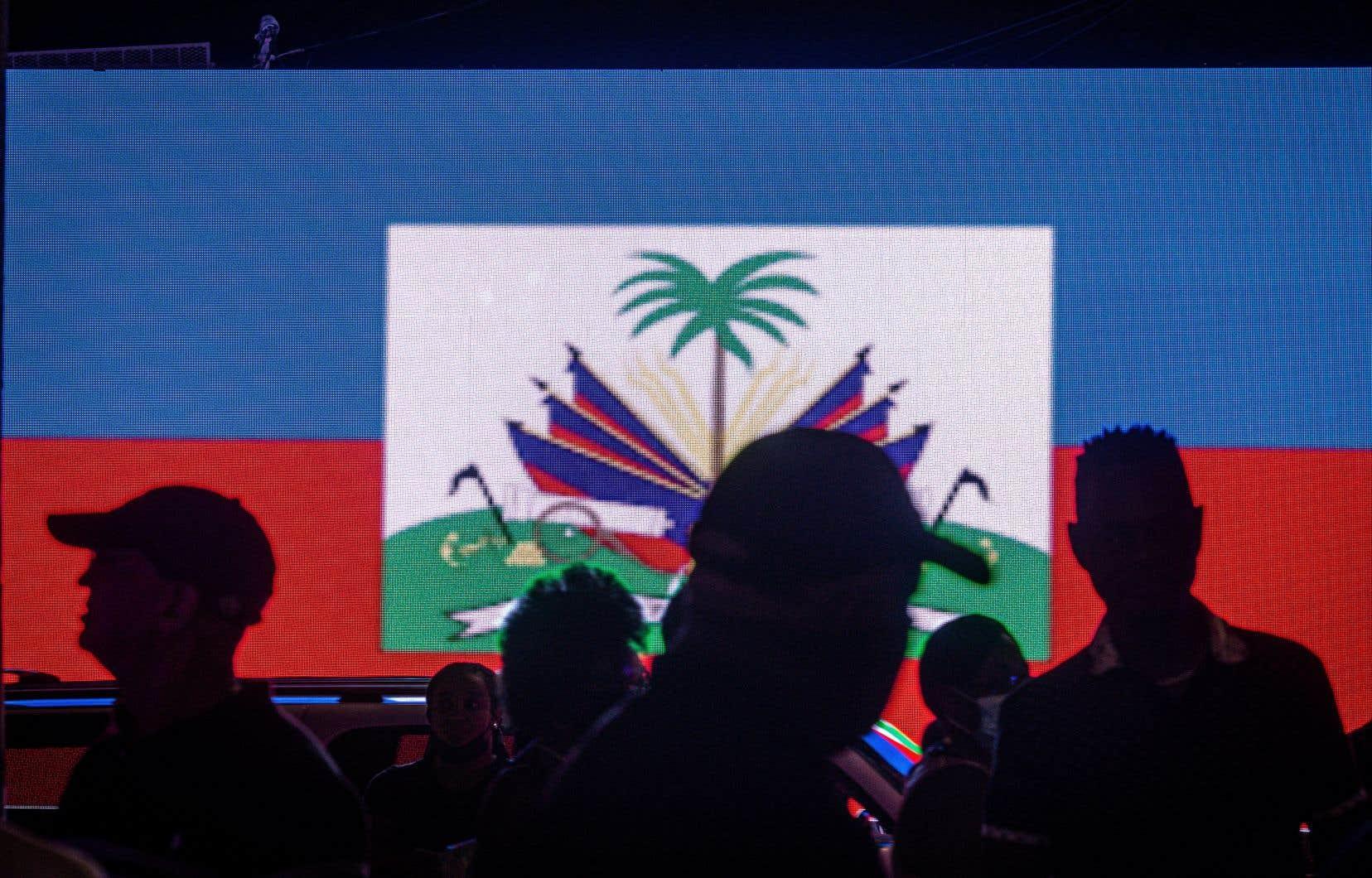 Une vigie en mémoire du président haïtien assassiné Jovenel Moïse avait lieu vendredi soir à Miami, en Floride.