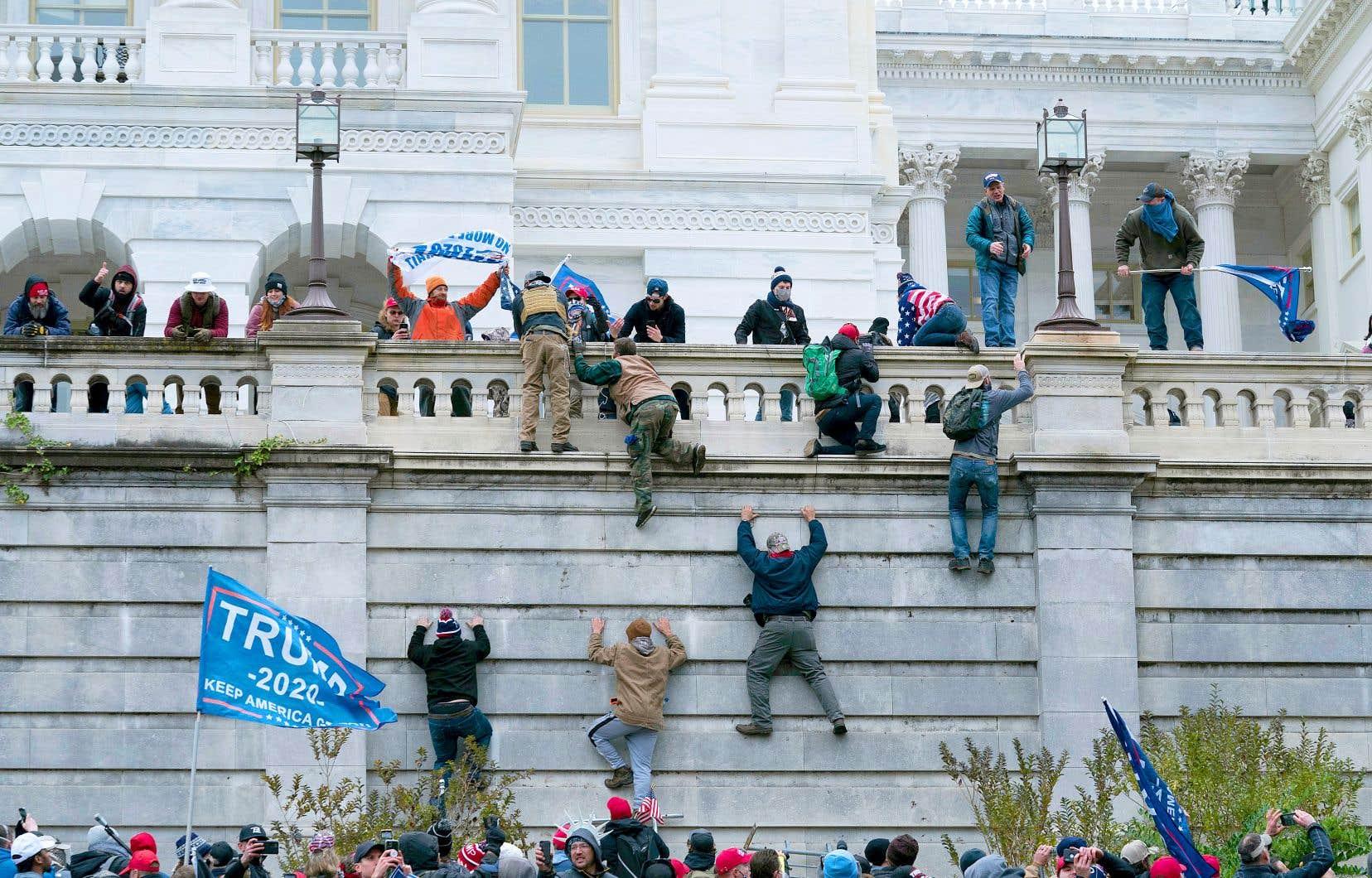 L'assaut meurtrier du Capitole le 6 janvier a ébranlé la démocratie américaine.