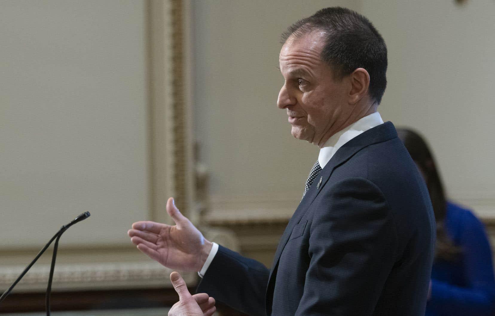 Selon le ministère des Finances, Eric Girard, les agences de notation ont estimé que le Québec «comptait sur une économie forte et diversifiée et que l'engagement du gouvernement à revenir à l'équilibre budgétaire démontrait une saine gestion des finances publiques».