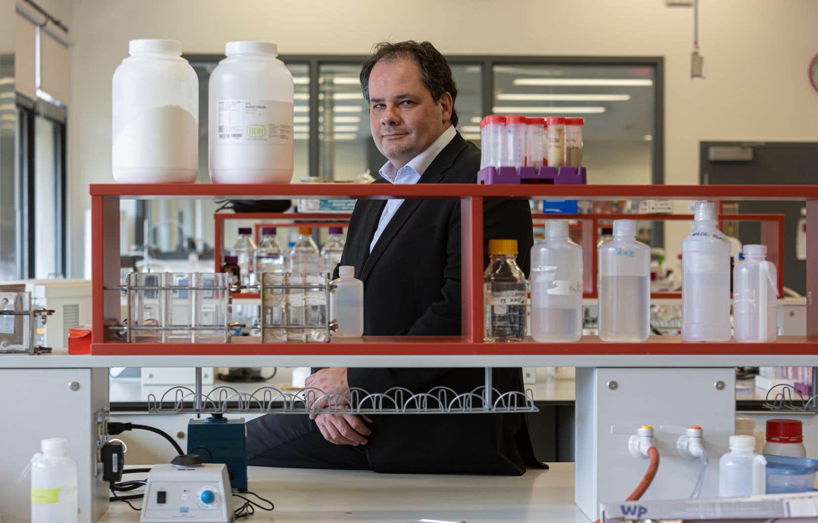 Le directeur du Centre de recherche en sciences et technologie du lait de l'Université Laval, Steve Labrie