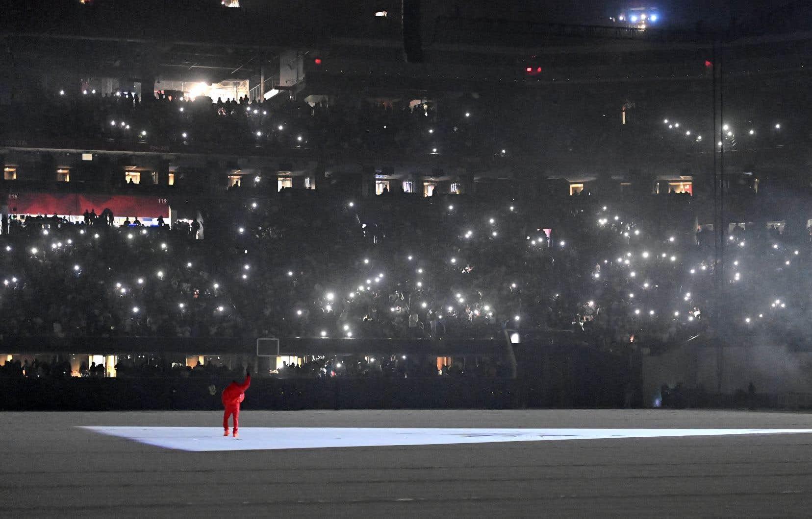 Jeudi soir dernier, Kanye West faisait découvrir à quelque 50 000 admirateurs réunis auMercedes-Benz Arena d'Atlanta son nouvel album, «Donda».