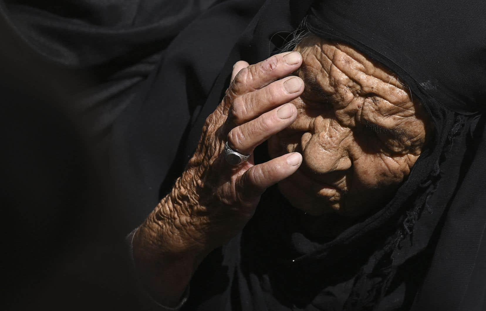 Environ 150000 personnes ont, depuis un mois, fui les zones de combat de Kandahar, pour des zones plus sûres du centre-ville.