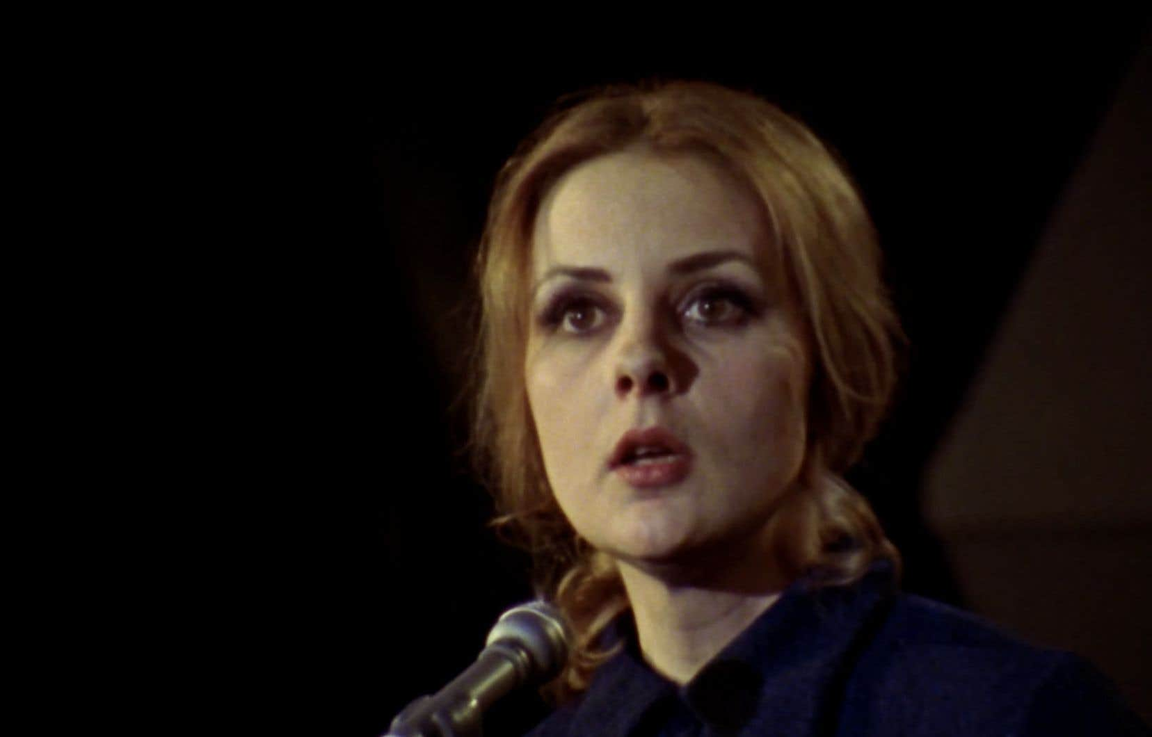 «Elle n'avait pas peur du politique et ne le fuyait pas, elle voulait plutôt le