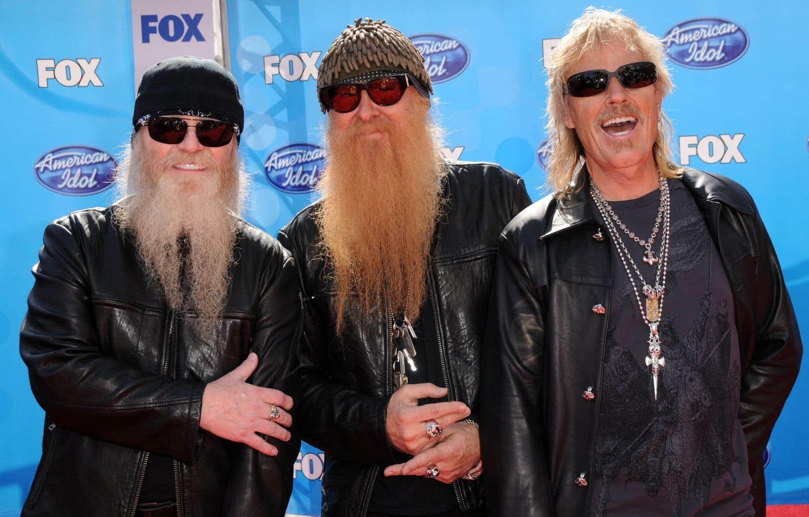Dusty Hill (à gauche) faisait partie du groupe depuis 1970, un an après sa fondation.