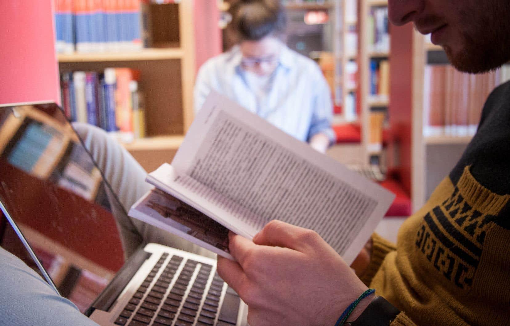 Depuis 2012,une modification à la Loi sur les droits d'auteur a permis d'établir qu'une utilisation «équitable» d'une oeuvre dans un contexte de recherche ou d'éducation «ne constitue pas une violation du droit d'auteur».