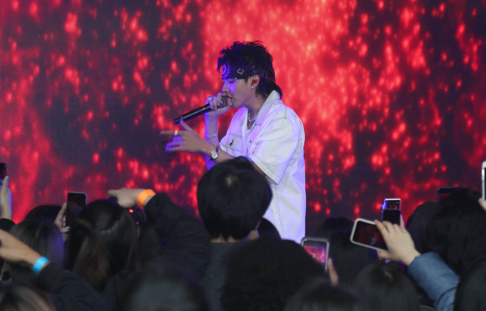 L'adolescente qui accuse Kris Wu (sur la photo) a aussi raconté que sept autres femmes l'avaient contactée pour lui dire que l'ancien membre du groupe de pop coréenne EXO les avait séduites en leur faisant diverses promesses.