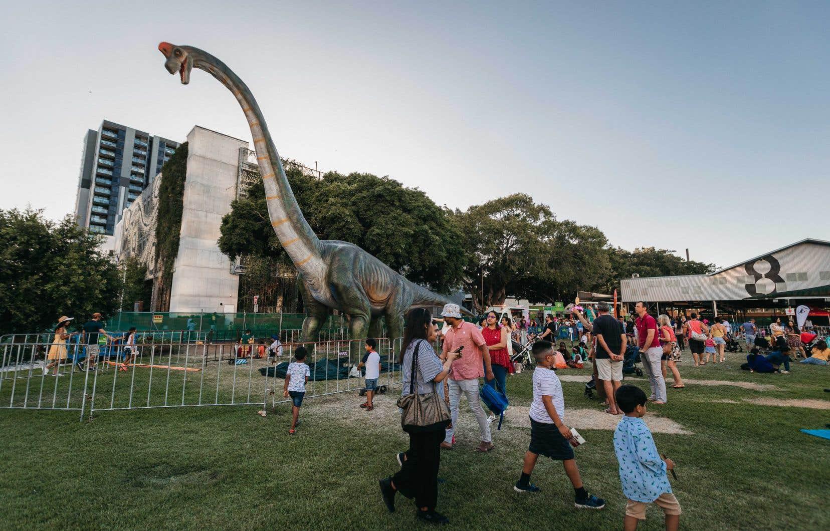 Les détenteurs de billets pour Jurassic Fest Montréal craignent que l'exposition de dinosaures grandeur nature qui aura lieu en octobre ne soit un canular, car le promoteur de l'événement a déjà fait face à des accusations de fausse publicité pour des événements similaires en Australie.