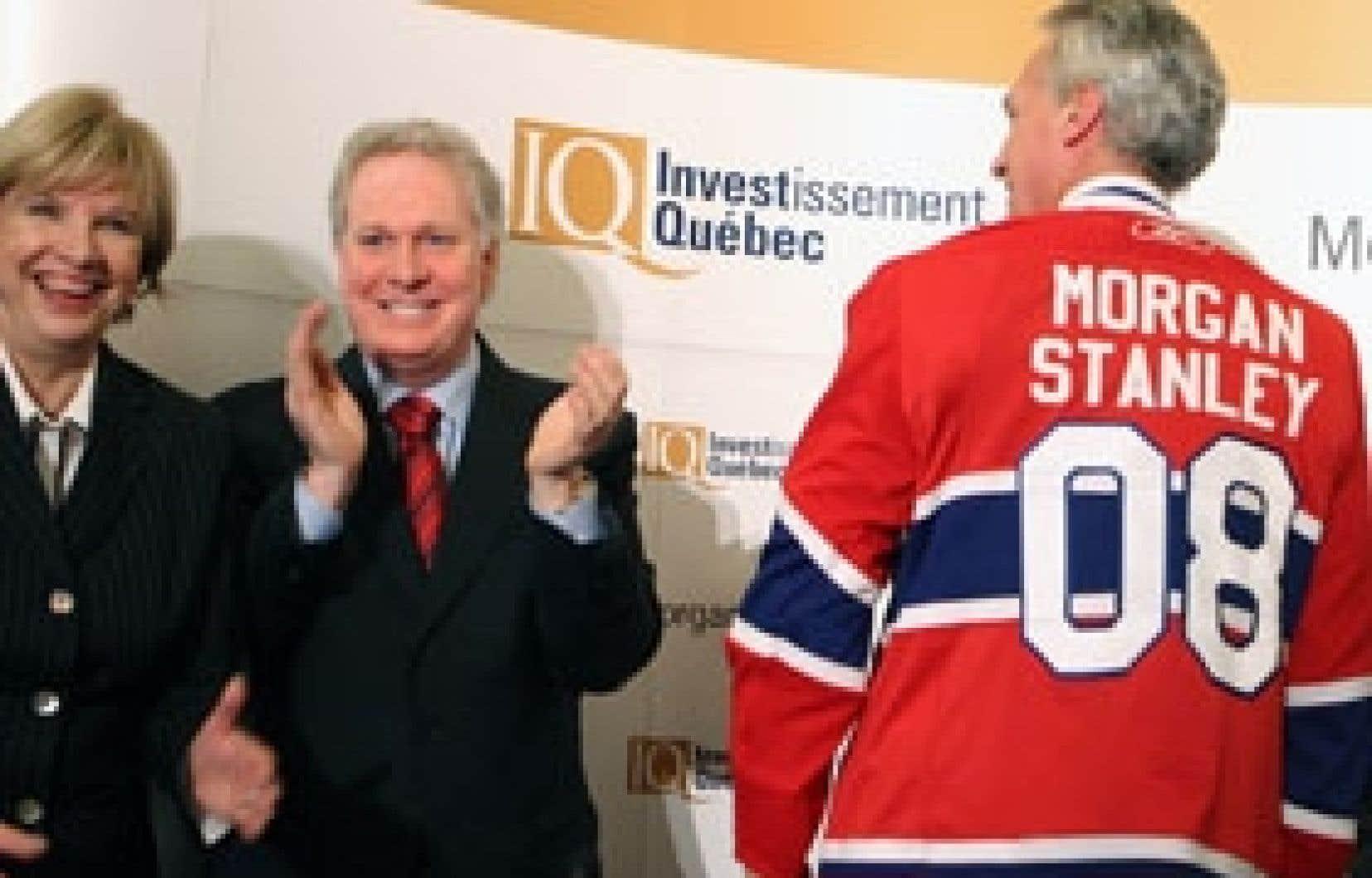 Jeudi dernier, Morgan Stanley annonçait l'ouverture à Montréal d'un centre de développement de logiciels. Selon le Parti québécois, 200 des 500 emplois annoncés à cette occasion sont en fait transférés de la firme Compuware, un sous-traitan