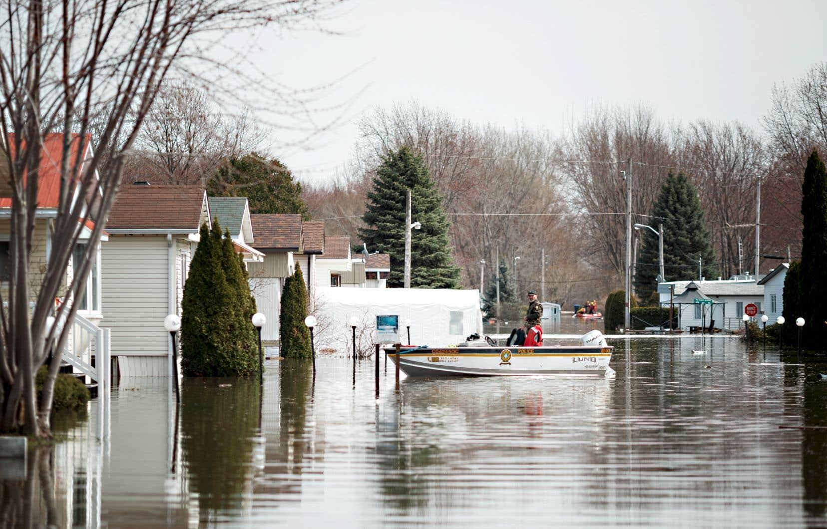 En 2019, 6000 sinistrés avaient été évacués quand le bris d'une digue avait inondé une partie de Sainte-Marthe-sur-le-Lac.