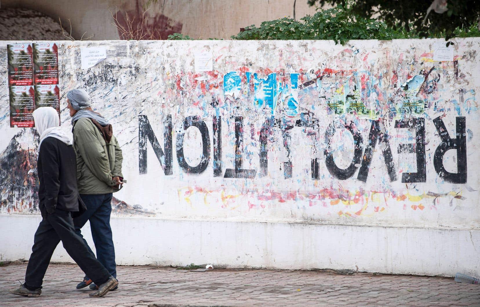 La Tunisie est souvent présentée comme le seul pays à avoir maintenu un système démocratique dans la foulée du Printemps arabe.
