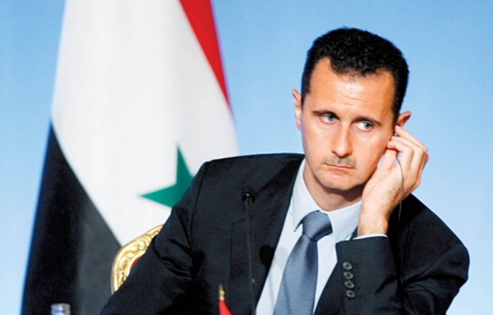Bachar al-Assad refuse de reconnaître le mouvement qui s'élève contre lui dans le pays, qualifiant les contestataires de «groupes terroristes» qui souhaitent faire de la Syrie un chaos.