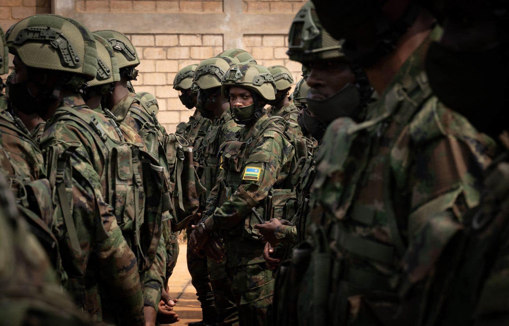 À la demande de Maputo, le Rwanda a envoyé le 9juillet un millier de soldats pour soutenir les forces armées mozambicaines qui luttent pour reconquérir le Cabo Delgado.