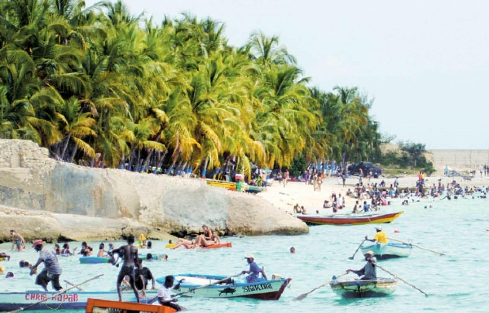 Une plage entre Port-au-Prince et Saint-Marc, une ville à une centaine de kilomètres de la capitale.<br />