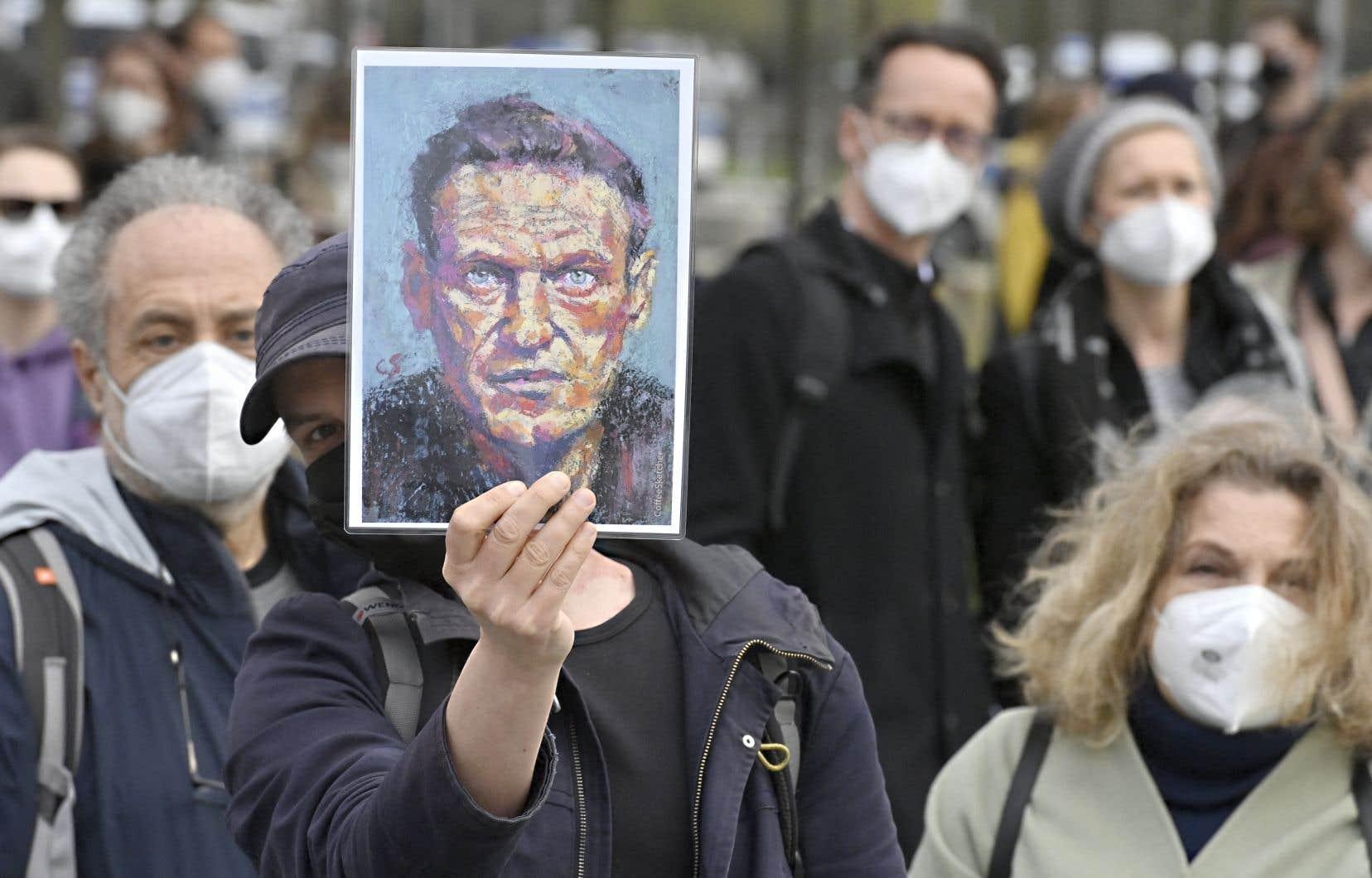 À l'occasion de son dernier déplacement en Russie, la chancelière allemande a réclamé de Vladimir Poutine la libération de Navalny, tout en insistant sur la nécessité d'un dialogue avec la Russie.