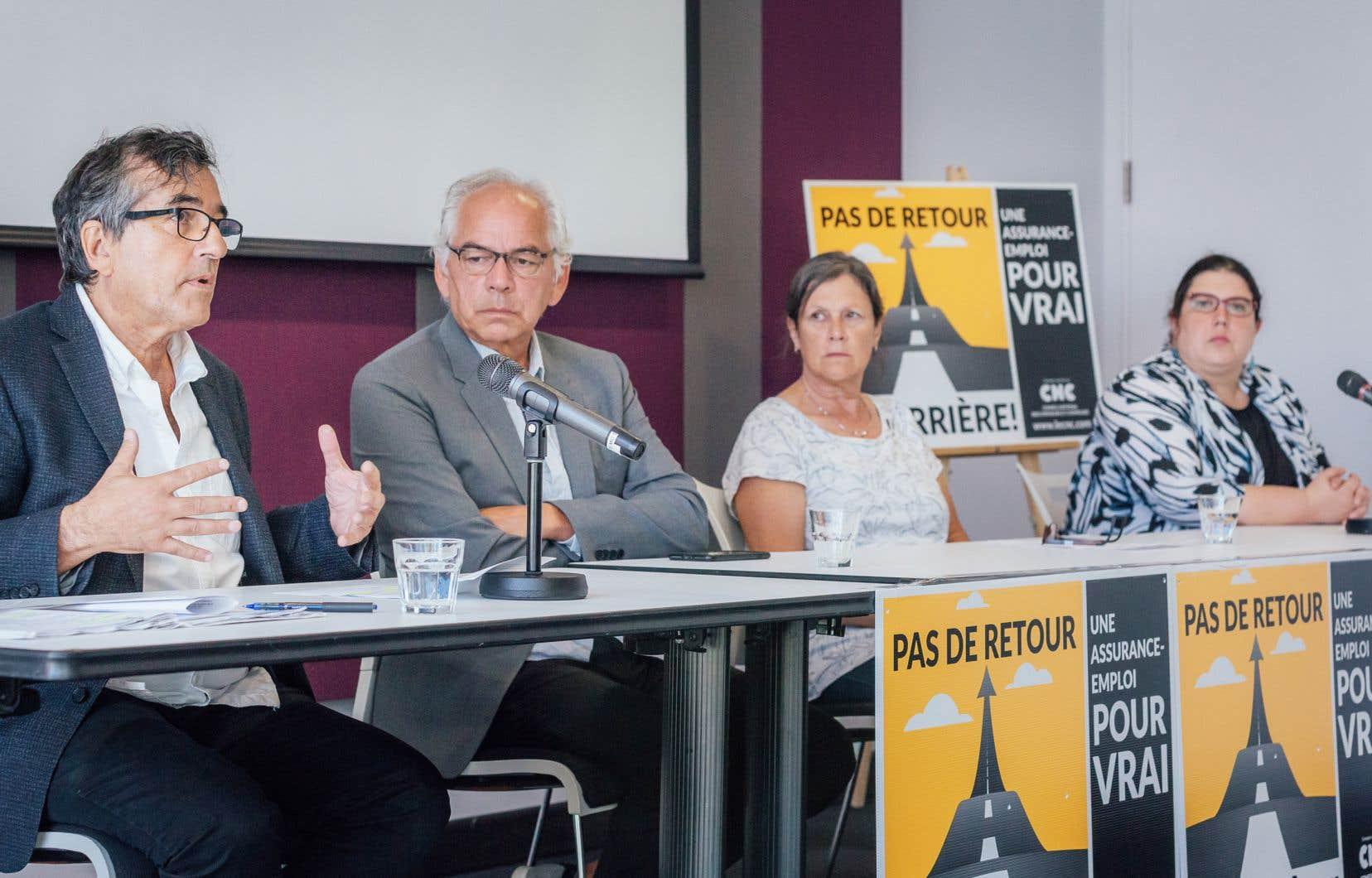 Le Conseil national des chômeurs et chômeuses a tenu une conférence de presse afin de réclamer aux partis fédéraux une refonte du programme de l'assurance-emploi.