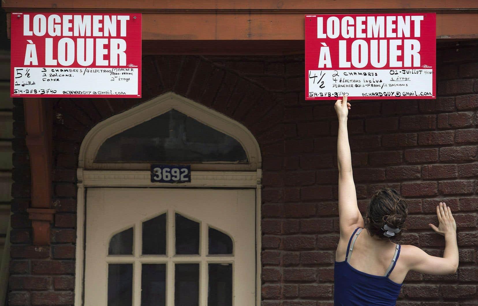 Des voix s'élèvent afin de mieux protéger les locataires face aux fortes augmentations de loyer.