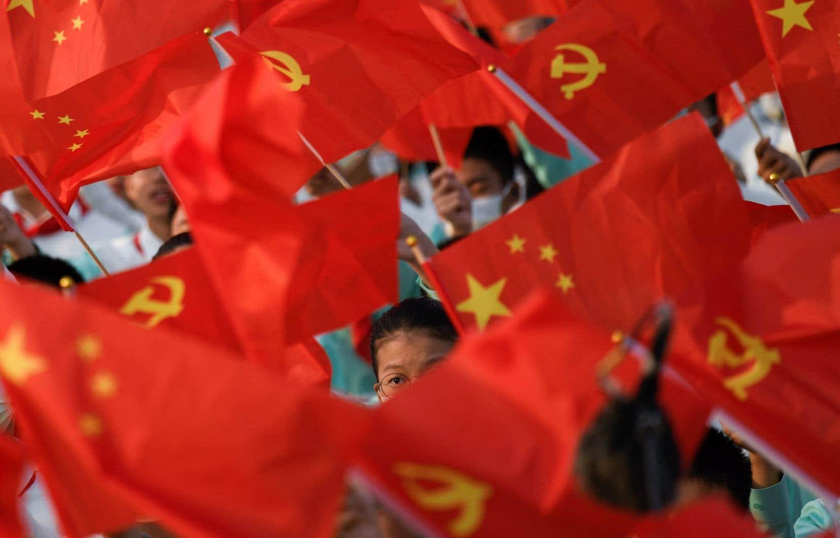 Dans la vingtaine de pages portant sur les relations d'un futur gouvernement conservateur avec le reste du monde, une trentaine de références sont consacrées à la Chine, au Parti communiste chinois, à la population chinoise, au combat contre la «tyrannie» chinoise.