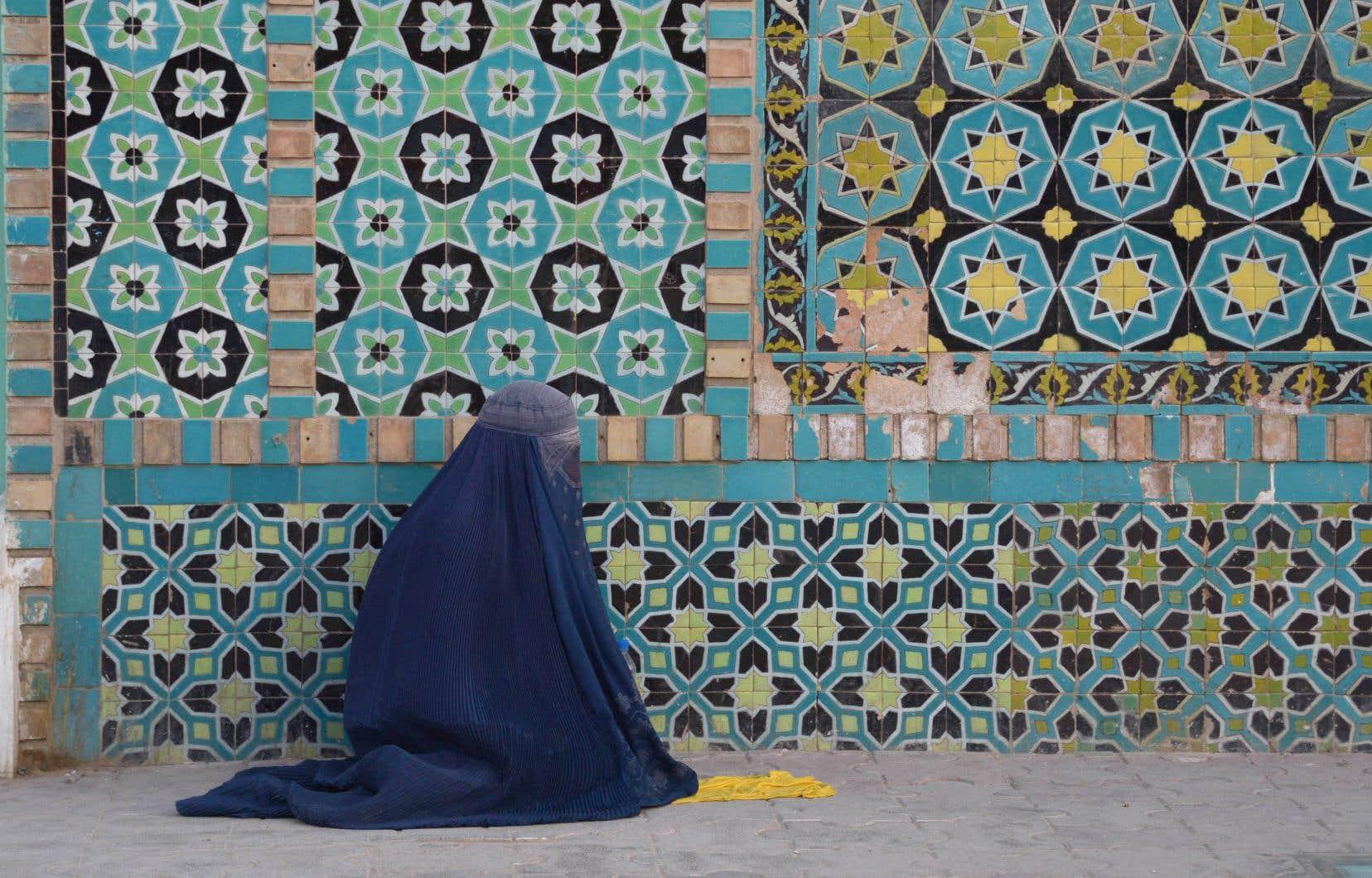 Les talibans ont une interprétation très stricte de la charia, imposant de lourdes restrictions aux femmes.