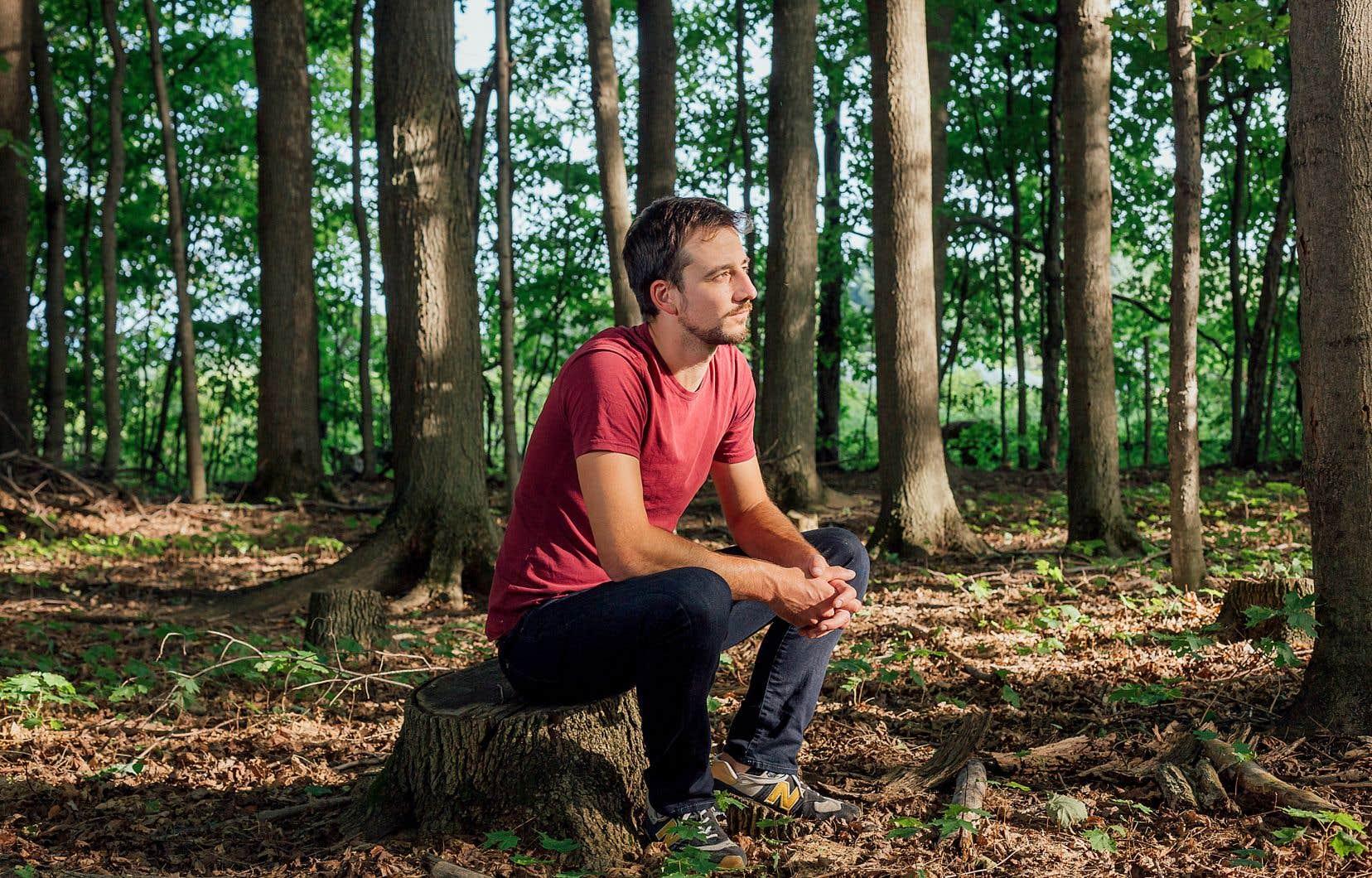 Christian Guay-Poliquin dans un boisé de Saint-Armand