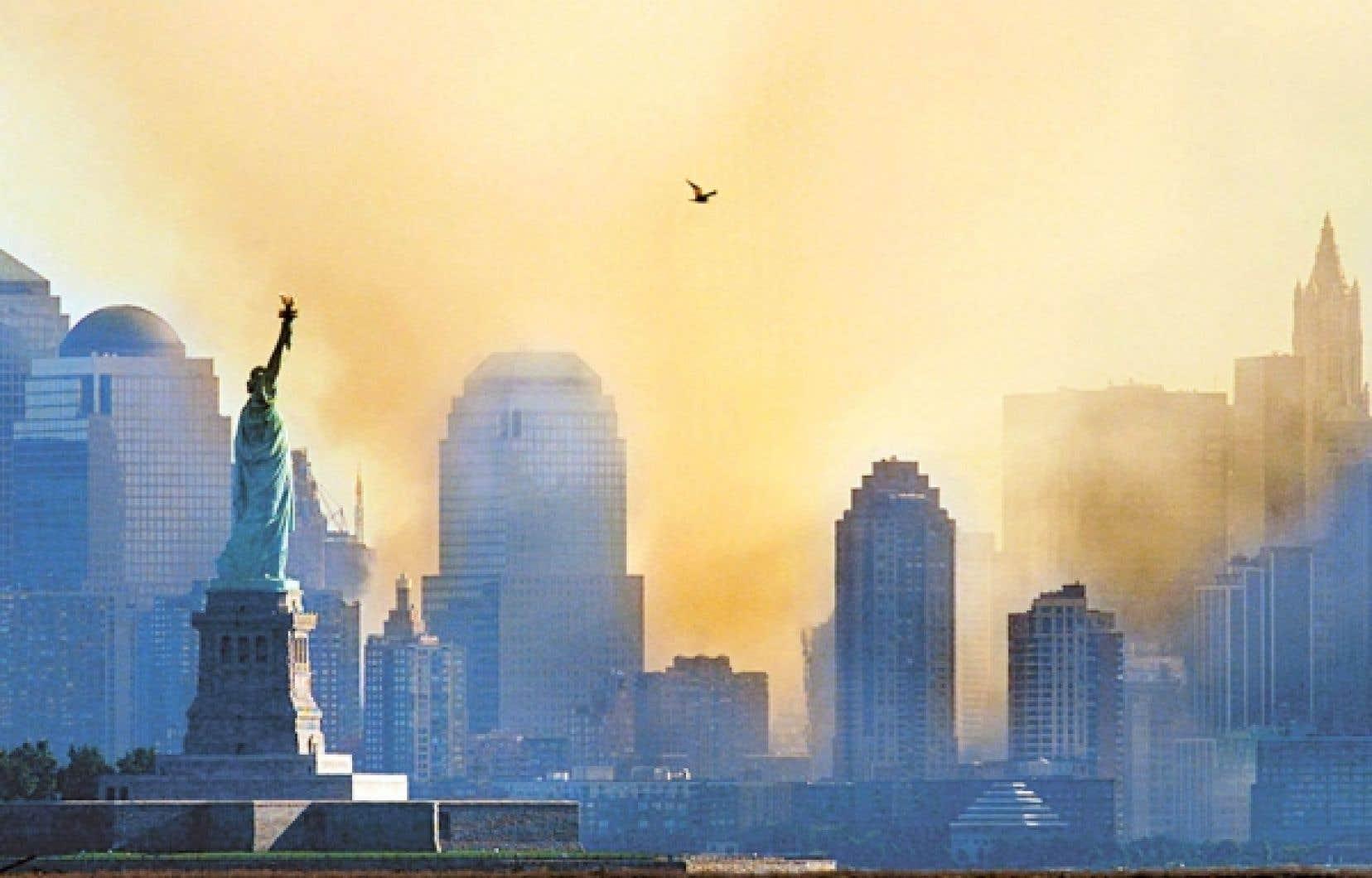 Dès le 11 septembre, George W. Bush lance les États-Unis dans sa «guerre contre la terreur».<br />