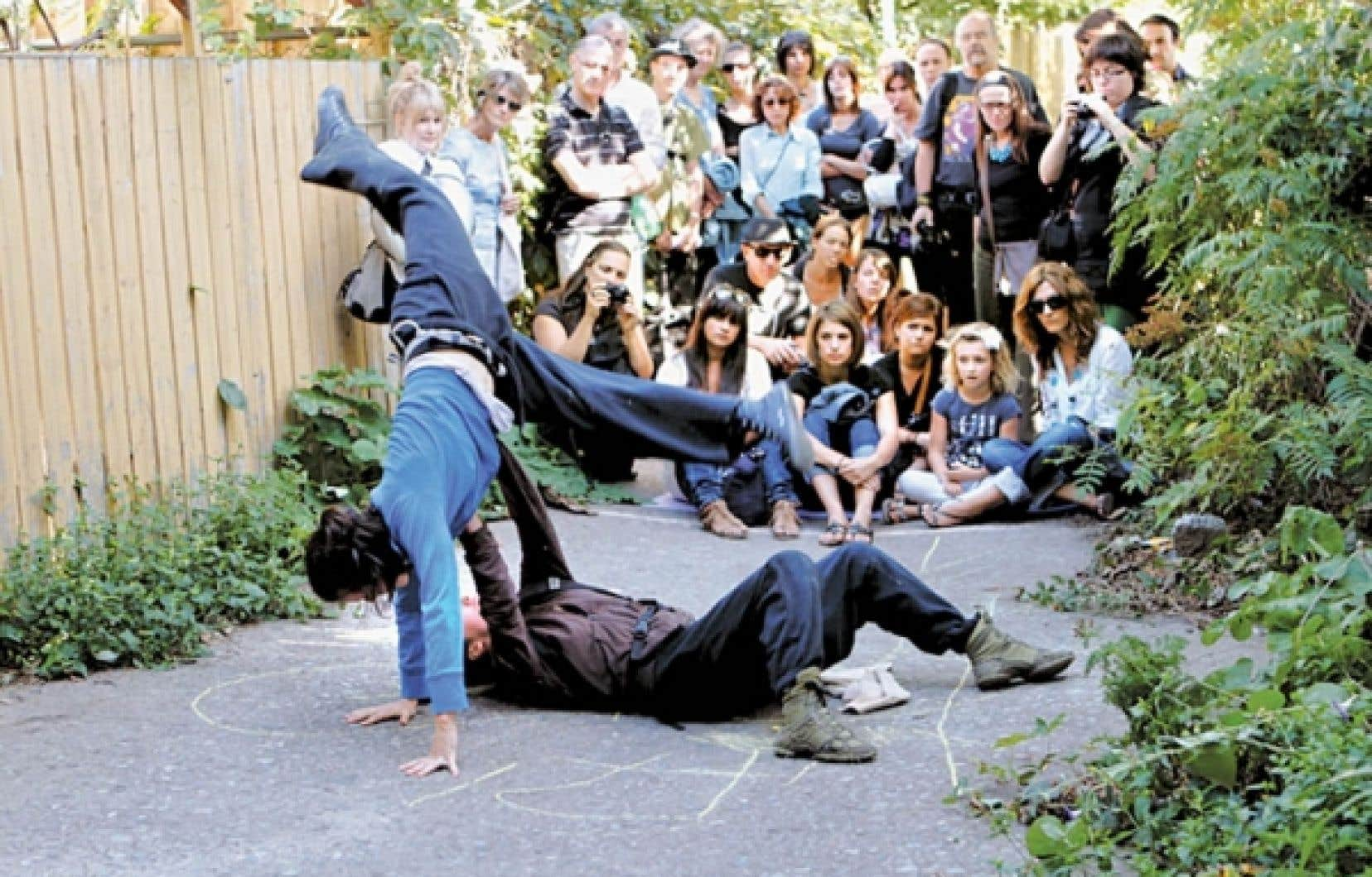 Les interpr&egrave;tes de Bal[let] de rue elles s&eacute;viront tout au long du festival Quartiers Danses, &agrave; partir d&rsquo;aujourd&rsquo;hui et jusqu&rsquo;au 25 septembre.<br />