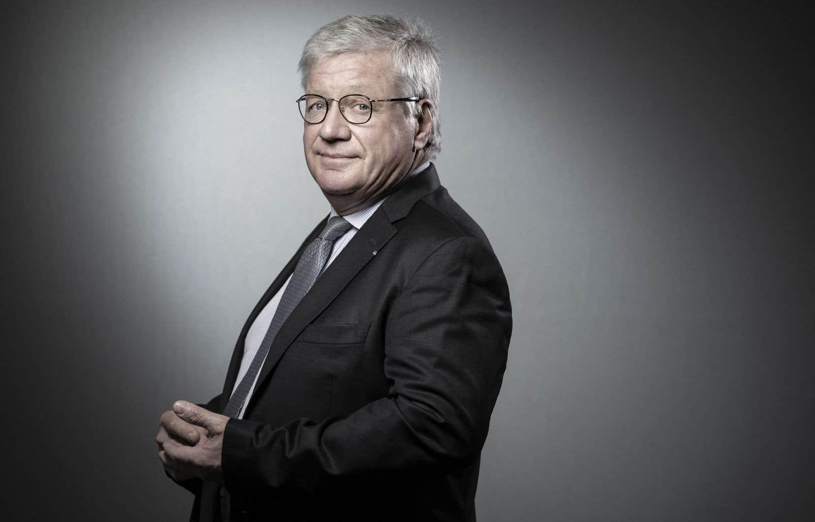 Selon le parquet national financier, cette fraude a permis la dissimulation de 9,9millions d'euros, la perception «illégale» de quatre millions d'euros de dividendes.