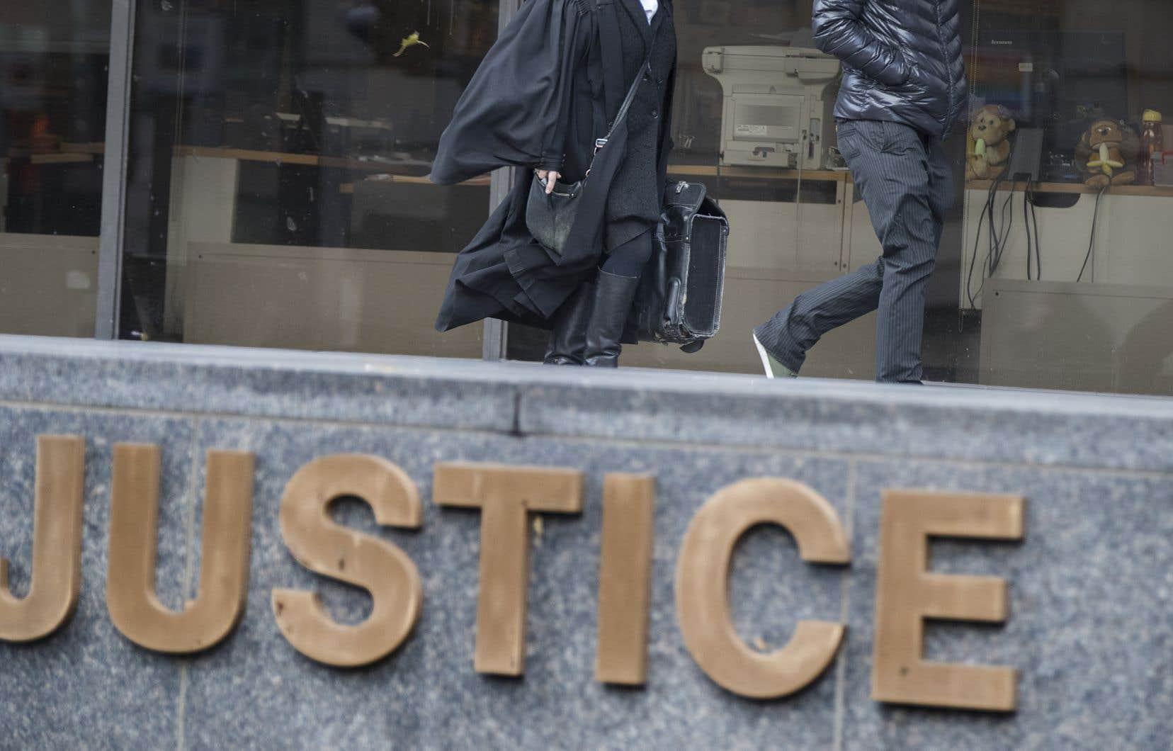 Le 15juillet dernier, le juge Paul Chevalier, de la Cour du Québec, a imposé au policier Yannick Levac une peine de probation de 18 mois et 150heures de travaux communautaires.