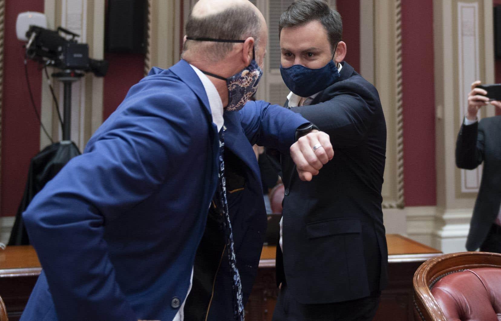 C'est Joël Arseneau qui aura la tâche d'organiser les travaux du caucus et de questionner le premier ministre au Salon bleu cette session, en attendant l'entrée à l'Assemblée nationale de Paul St-Pierre Plamondon.