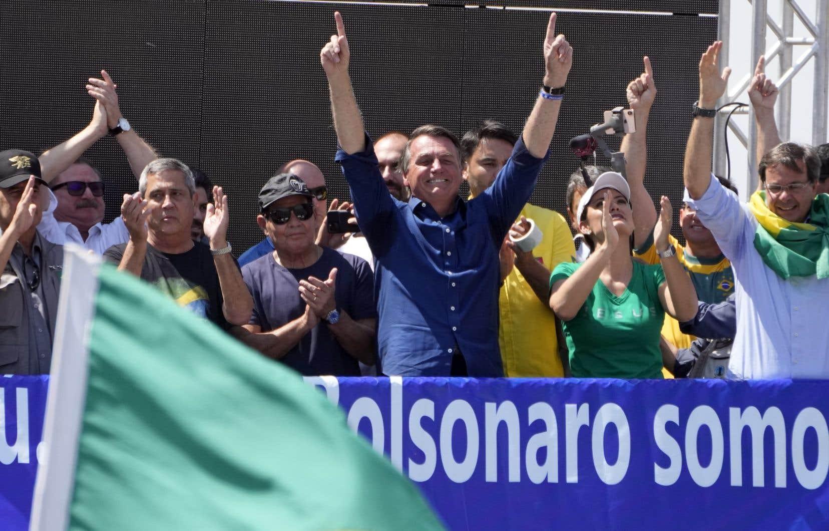 Un Bolsonaro «putschiste» et de plus en plus isolé