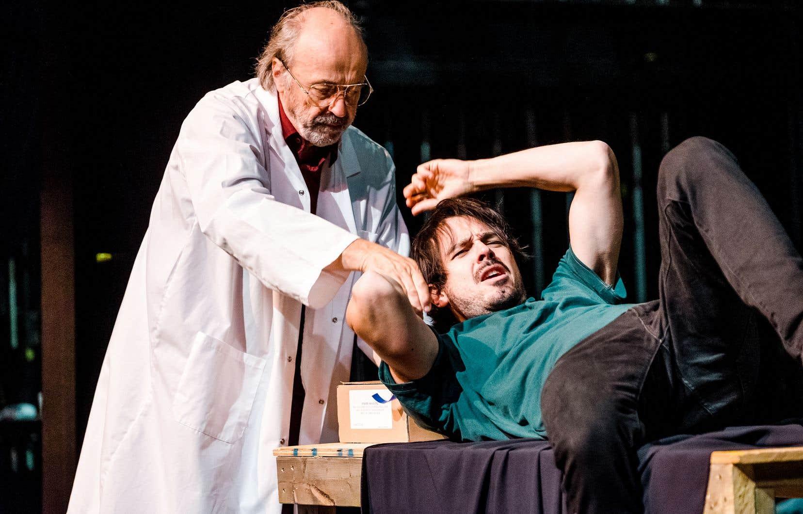 «Le polygraphe» en répétition au théâtre La Bordée