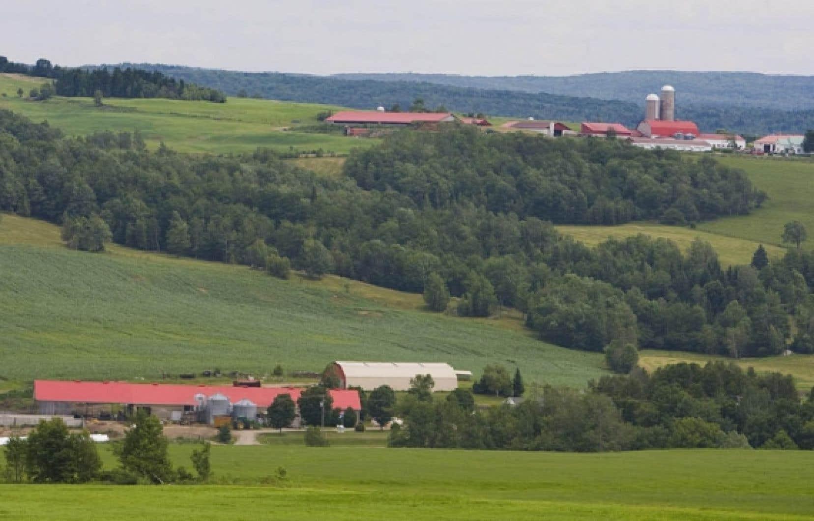 La nouvelle loi sur les mines doit être harmonisée avec celle protégeant le territoire et les activités agricoles, selon la FQM.