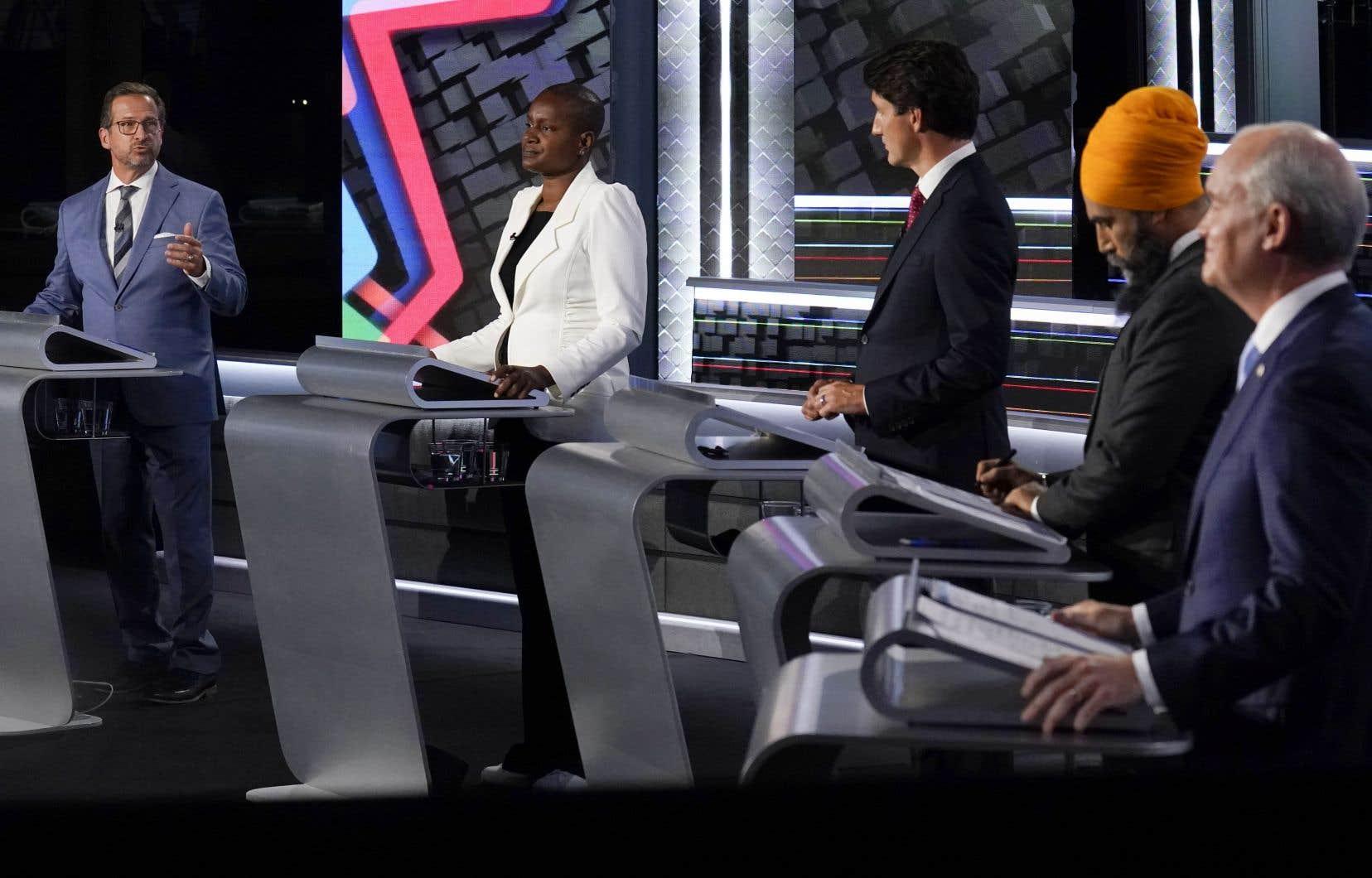 Les chefs fédéraux lors du débat des chefs en anglais, le 9 septembre 2021.