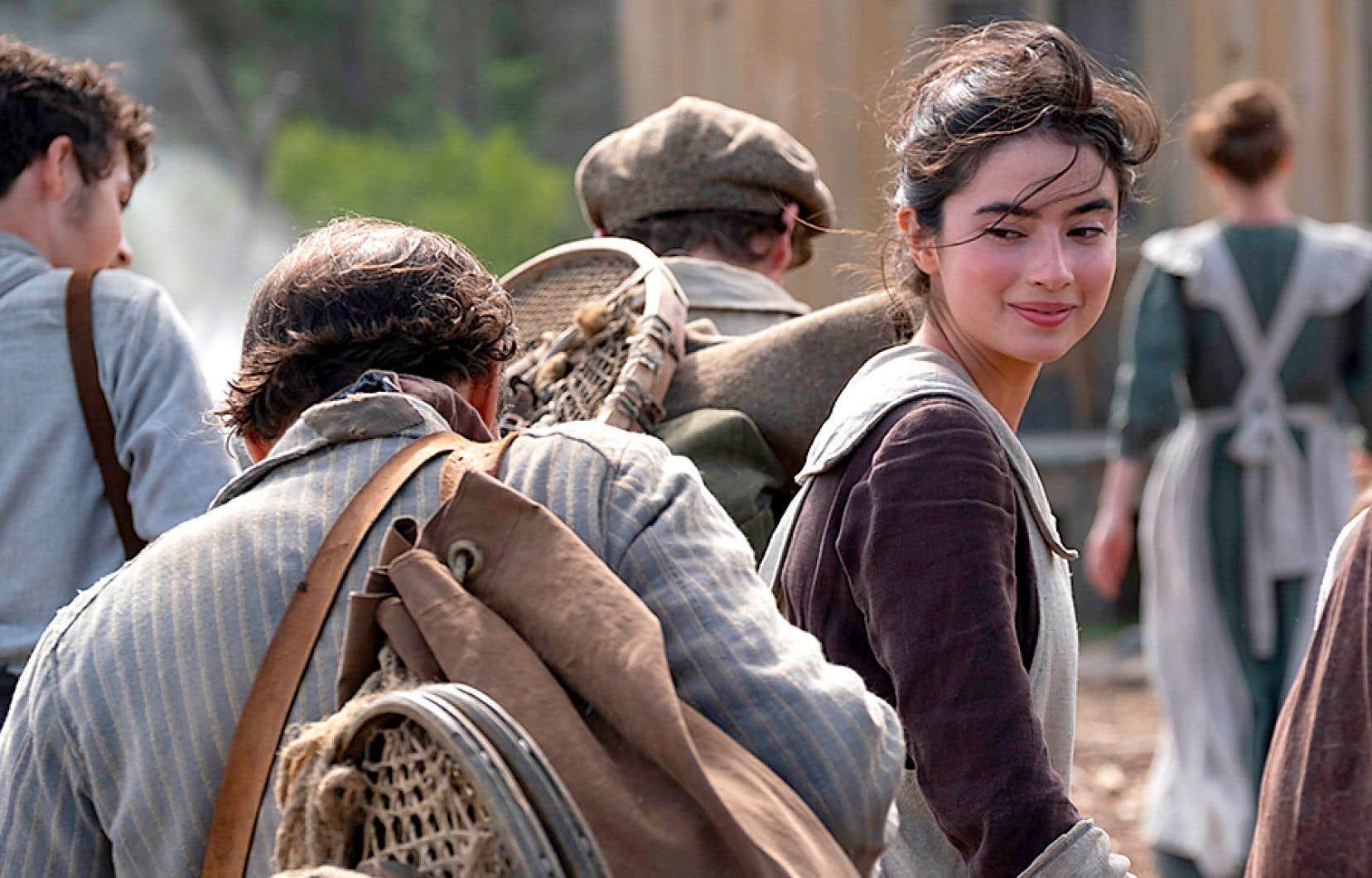 Sara Montpetit incarne une Maria plus jeune que dans les adaptations précédentes du roman de Louis Hémon, où on trouve plutôt une femme qui se situe dans la trentaine.