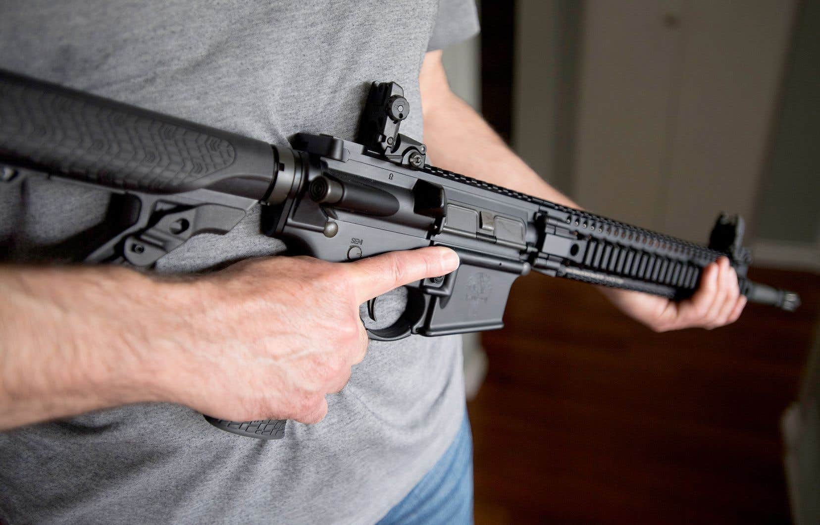 Le tueur de la fusillade au collège Dawson possédait légalement un Beretta CX4 Storm, qu'il était muni d'un chargeur de dix balles et d'une arme de poing, également légale.