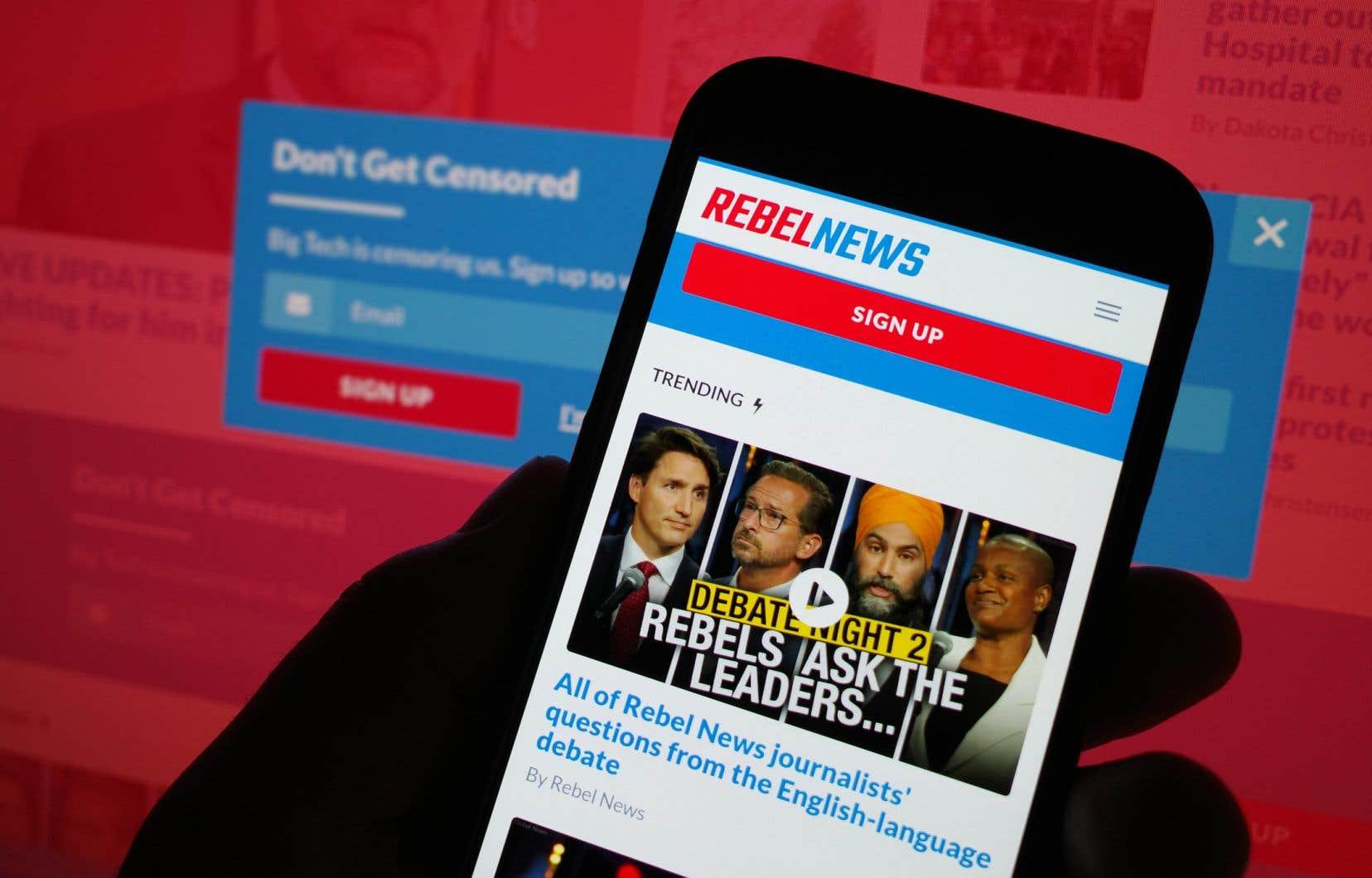 «Rebel News, entre autres, alimente les théories conspirationnistes, milite en faveur de l'extrême droite libertarienne et s'oppose de manière irrationnelle aux mesures sanitaires», écrit l'auteur.