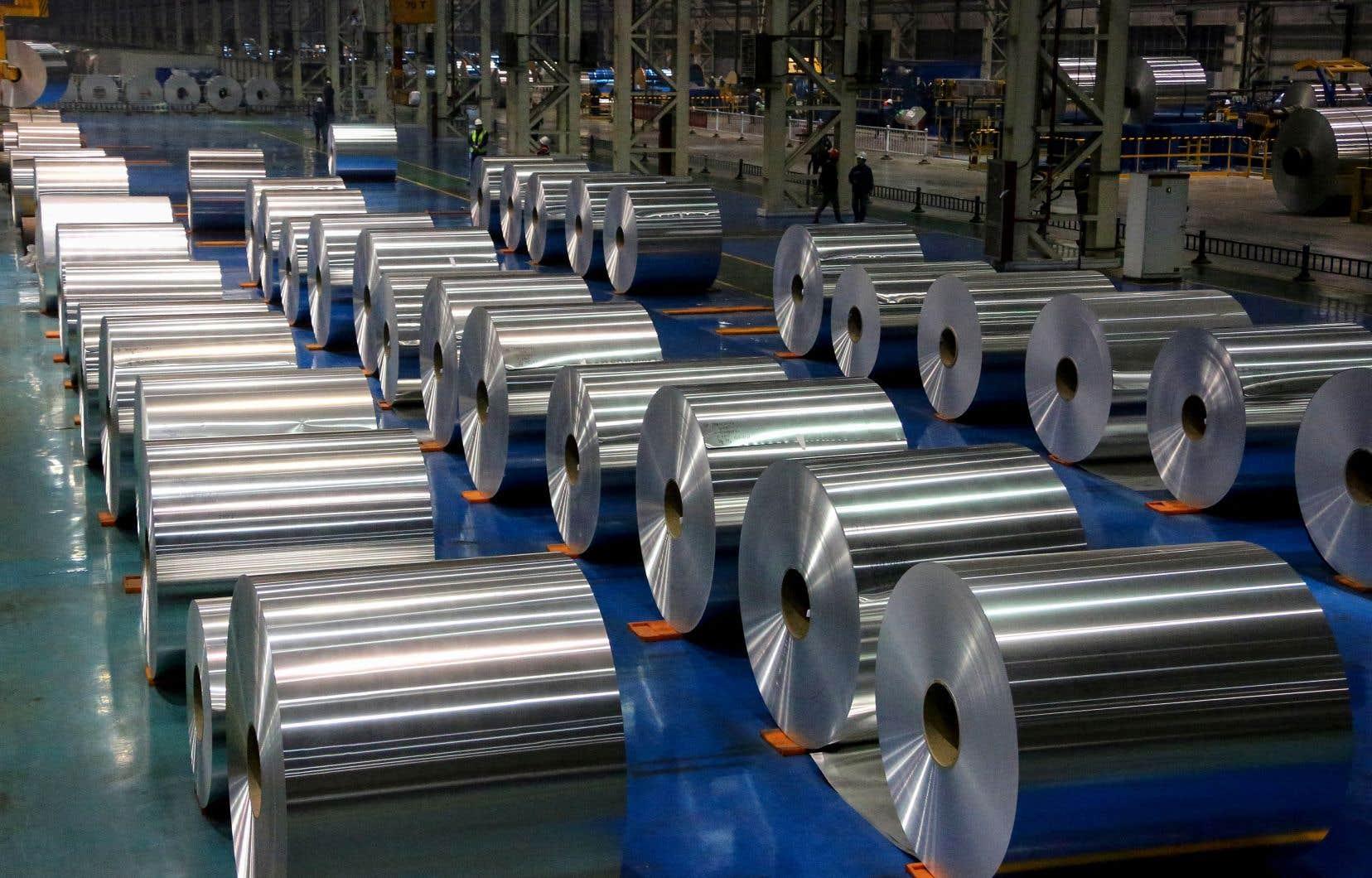 Le prix de l'aluminium a atteint lundi 3000 dollars américains la tonne sur le marché des métaux de Londres, nouveau plus haut depuis 2008.