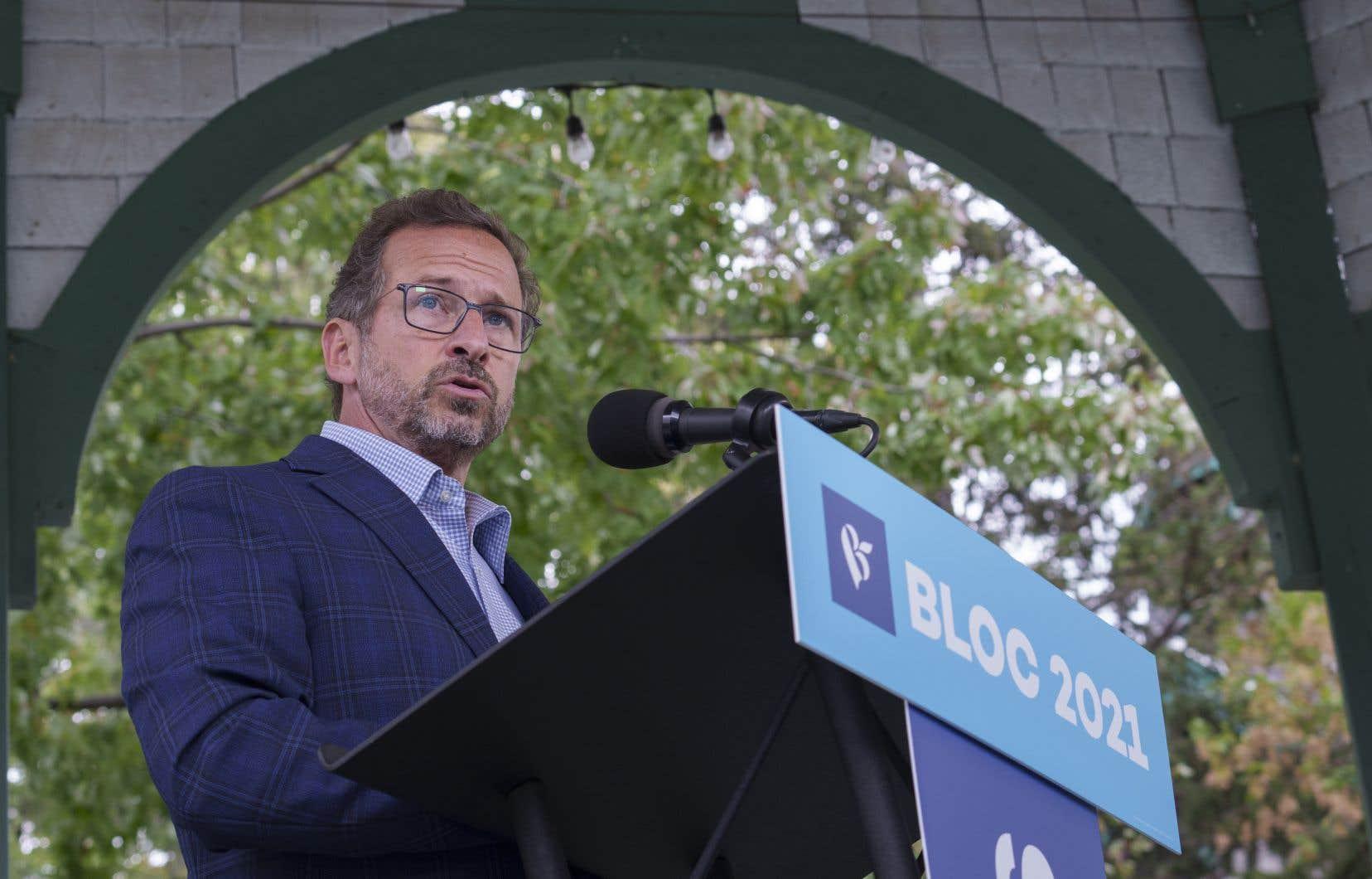 Préoccupé par le risque d'un faible taux de participation au scrutin de lundi, le chef bloquiste Yves-François Blanchet a appelé ses militants à convaincre les électeurs d'aller voter.
