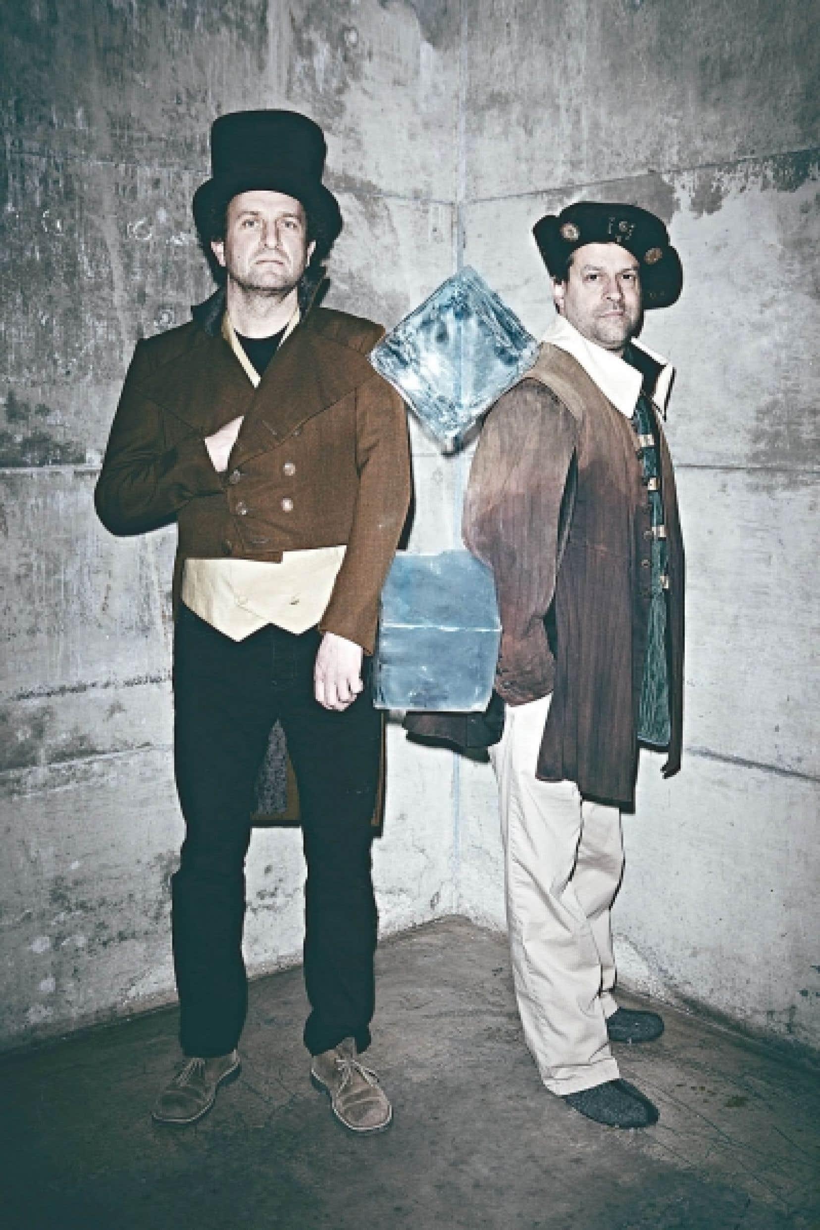 Daniel Brière et Alexis Martin nous invitent à une petite marche en raquettes dans les sous-bois de notre histoire.<br />