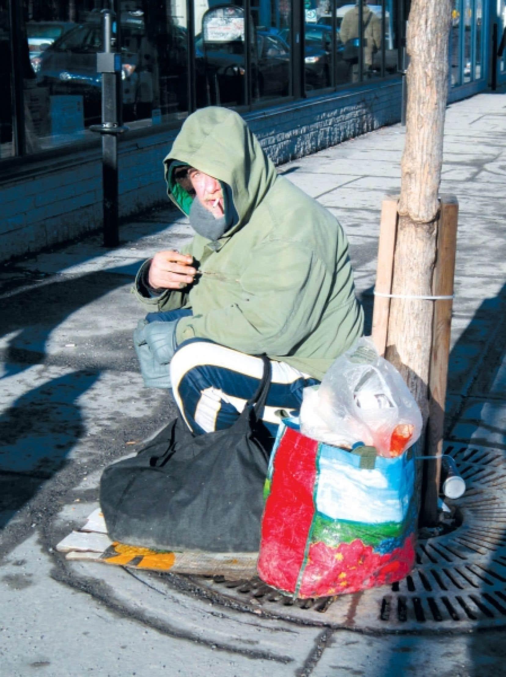 L&rsquo;organisme Pas de la rue, un centre de jour montr&eacute;alais destin&eacute; aux gens sans-abri ou tr&egrave;s pauvres qui ont 55 ans ou plus, a r&eacute;cemment mont&eacute; une exposition de photos sur l&rsquo;itin&eacute;rance qui ont &eacute;t&eacute; prises par des personnes de ce groupe. Celle-ci s&rsquo;intitule Pas si mal...<br />