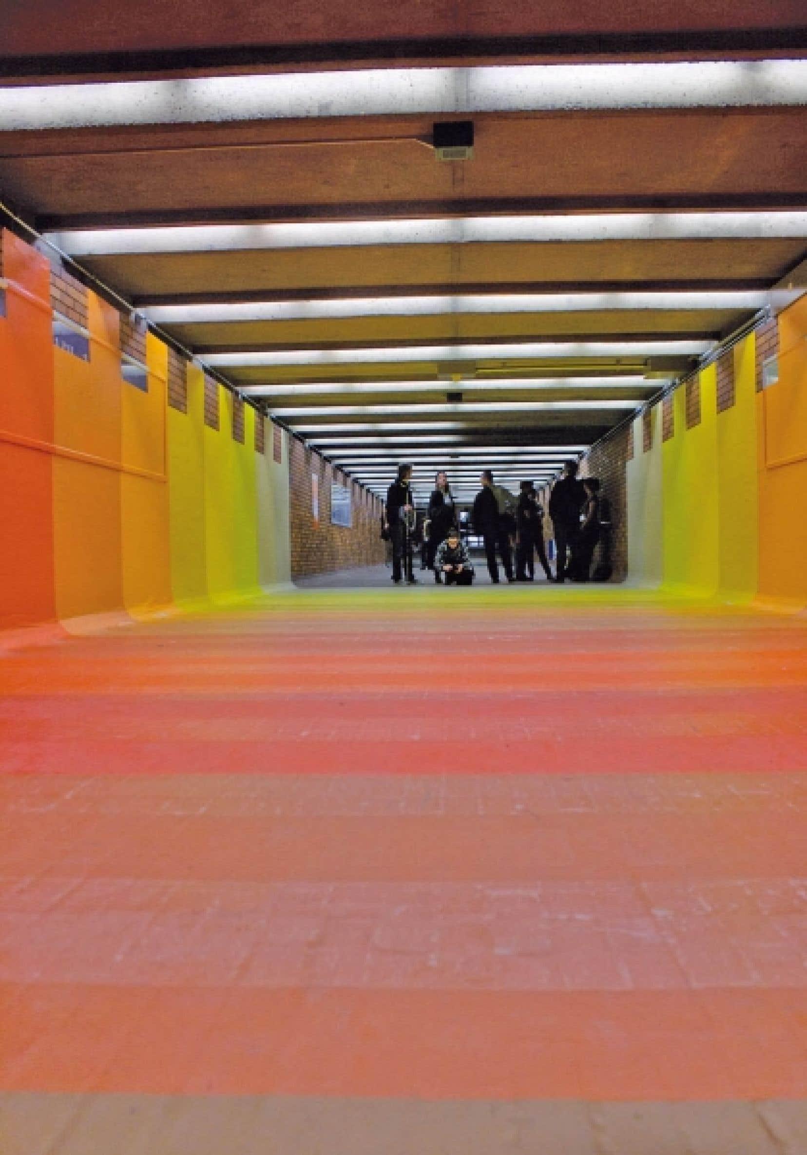 L'œuvre de Flora Moscovici dans un couloir de la station de métro Bonaventure.<br />