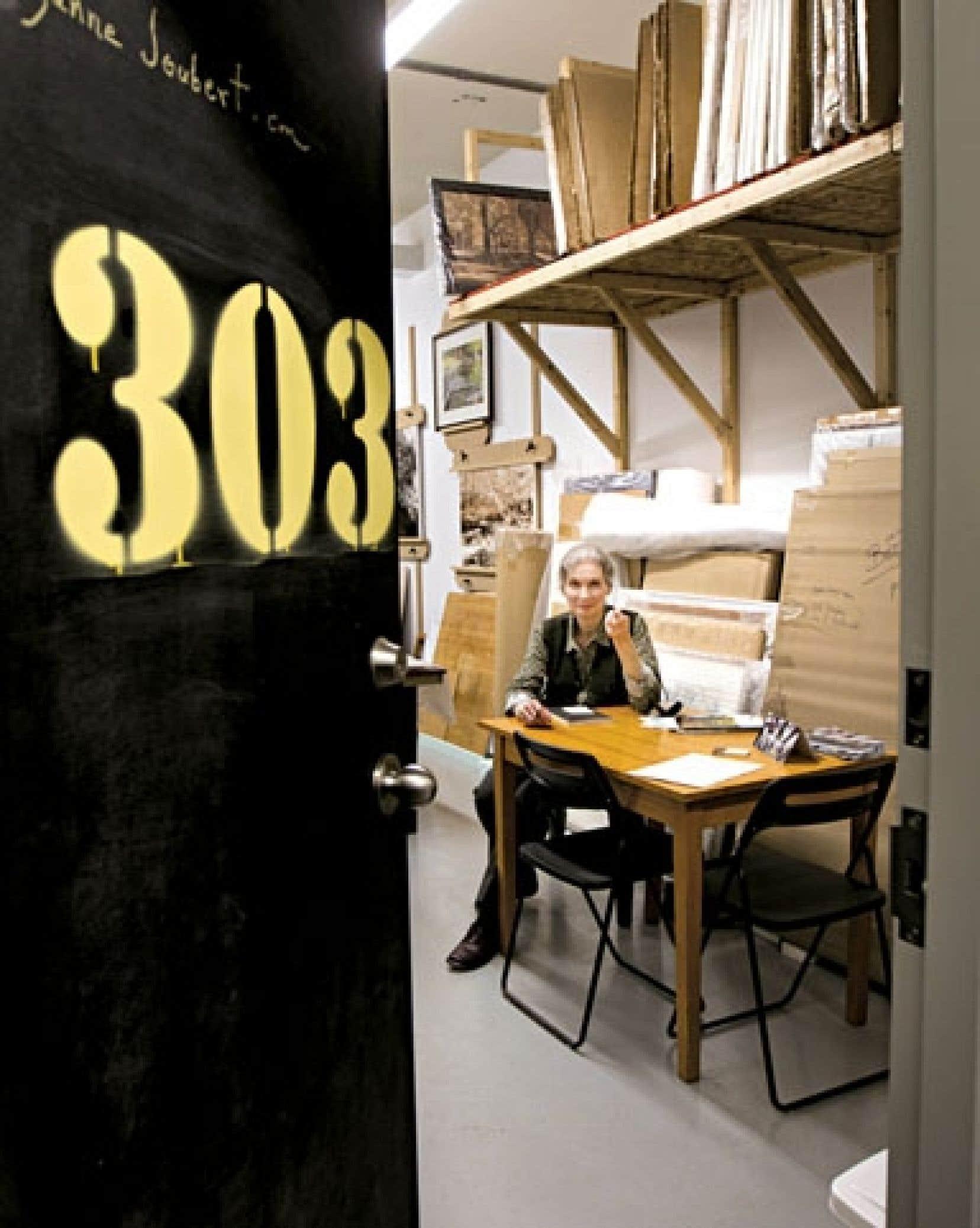 Porte ouverte sur l'atelier et le travail de l'artiste Suzanne Joubert