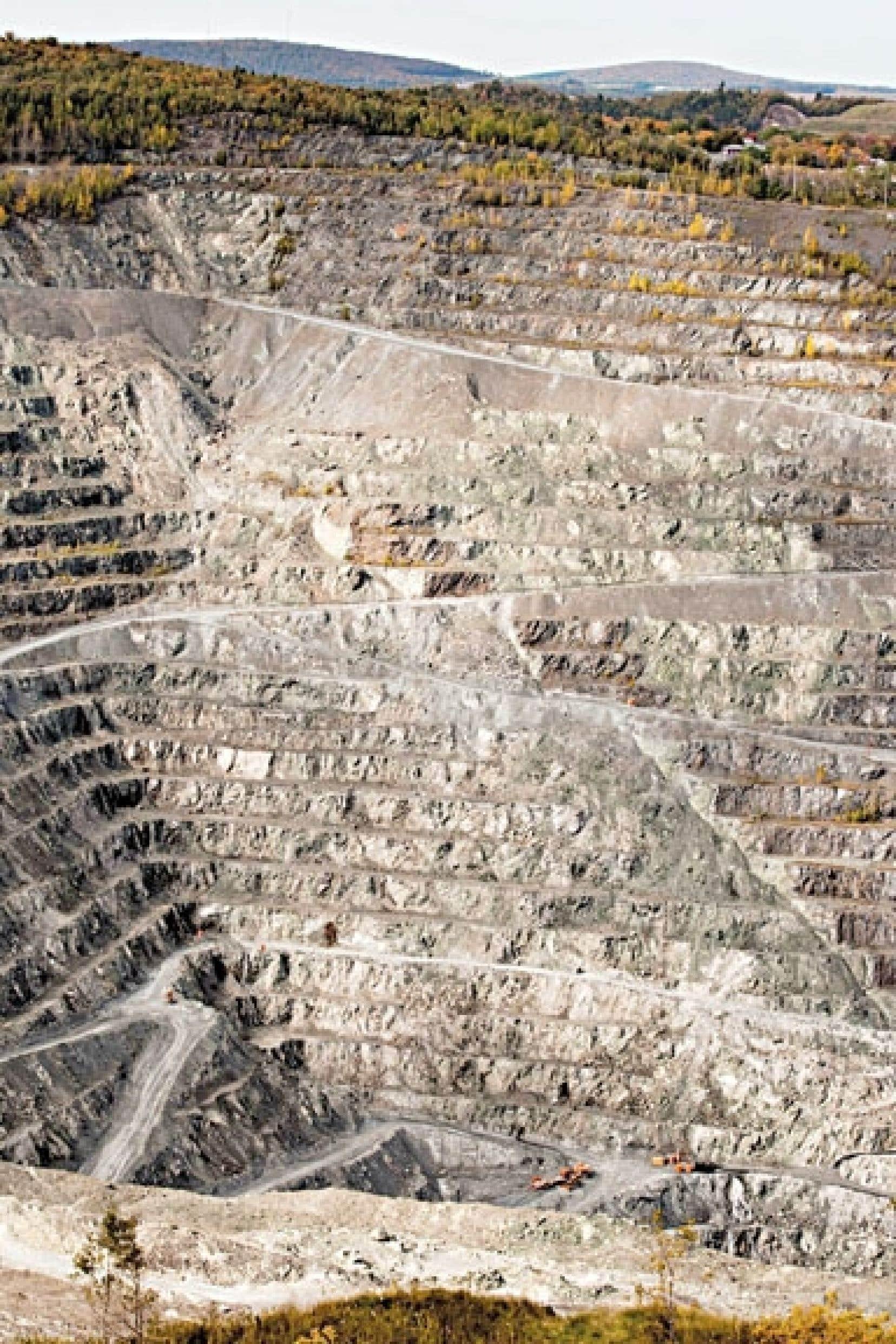 La mine Jeffrey, à Asbestos, dont la relance, soutenue par Québec, est vivement condamnée par des épidémiologistes du monde entier.