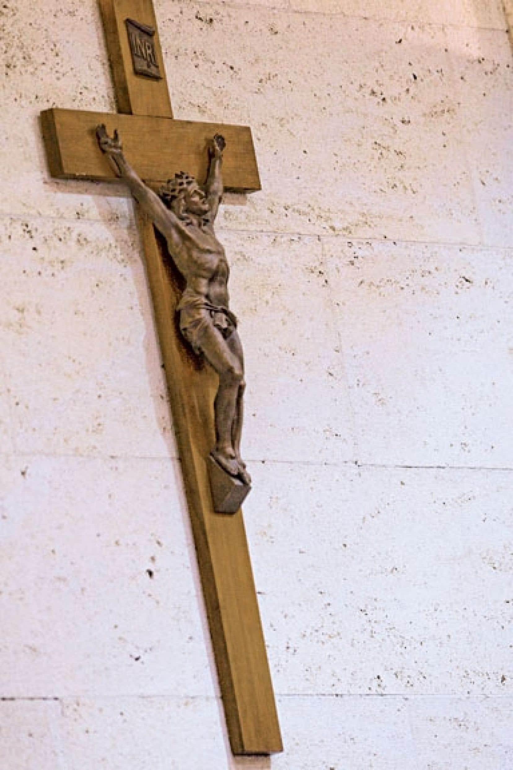 « Quant au débat sur le crucifix à l'Assemblée nationale, il mérite certainement d'être repris dans les meilleurs délais. »