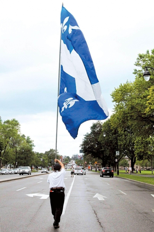 Les relations entre anglophones et francophones représentent un enjeu important dans l'évolution de la société québécoise.